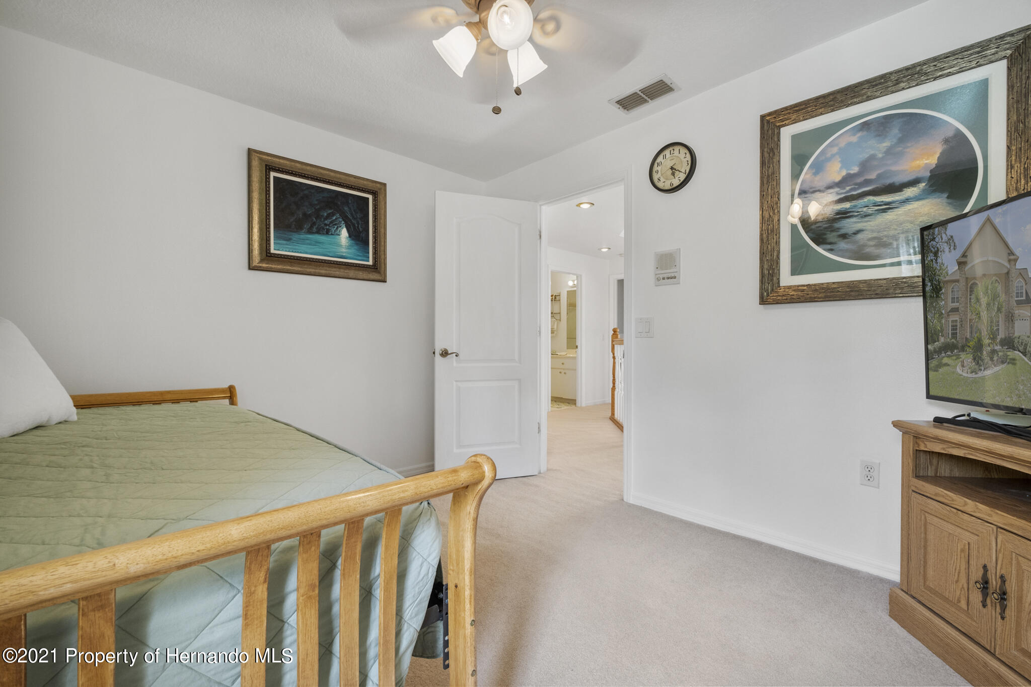 Listing photo id 31 for 12224 Fillmore Street