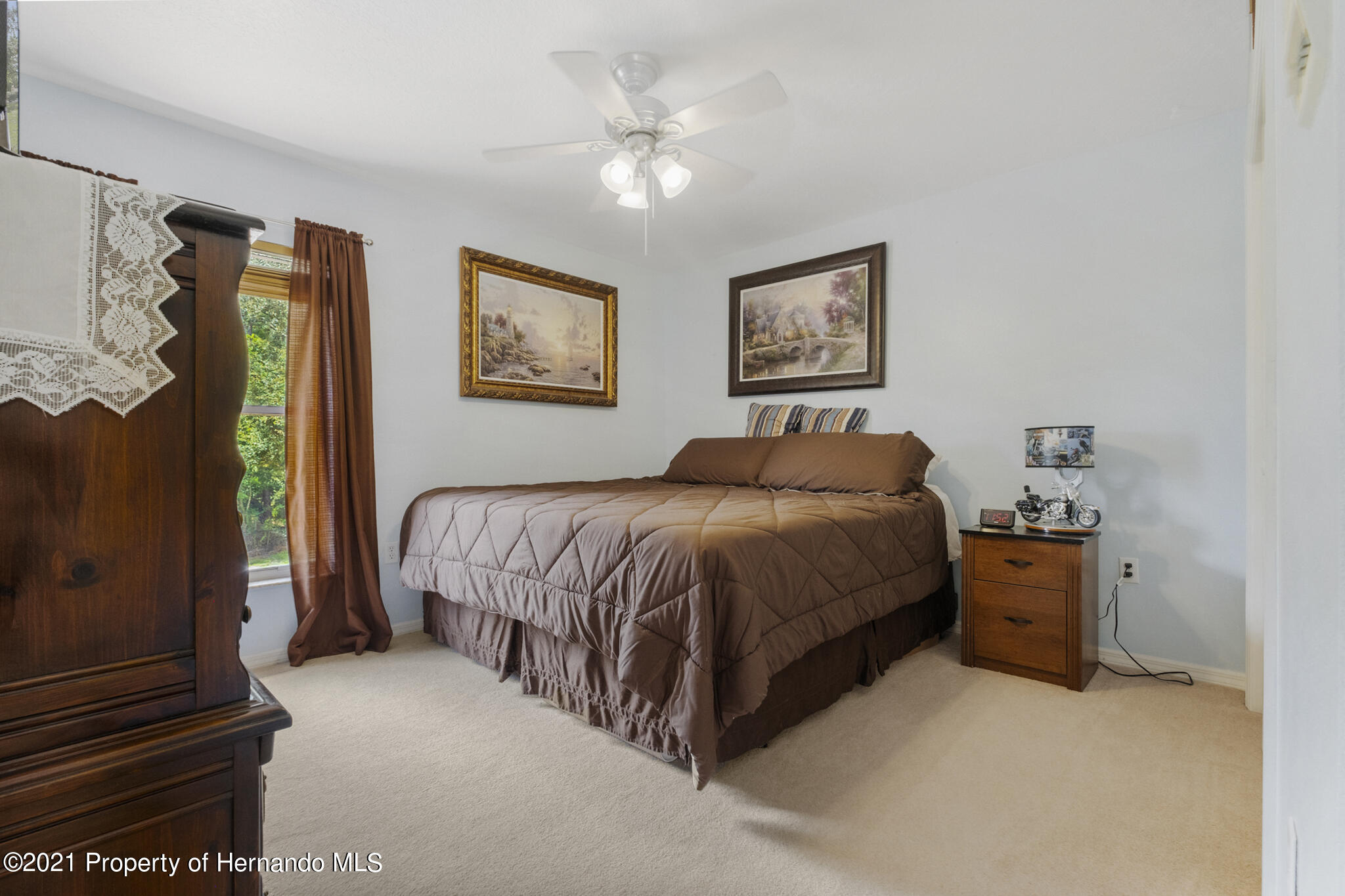 Listing photo id 32 for 12224 Fillmore Street