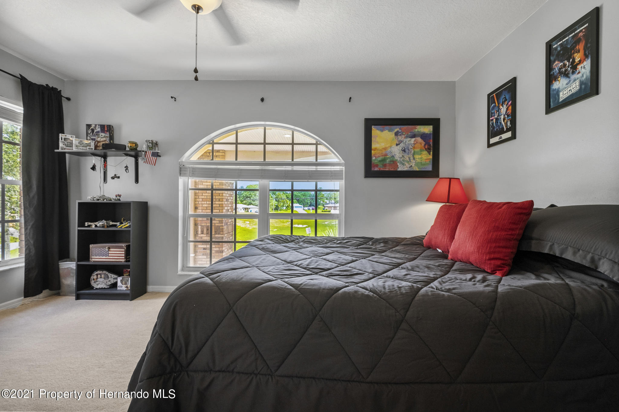 Listing photo id 35 for 12224 Fillmore Street