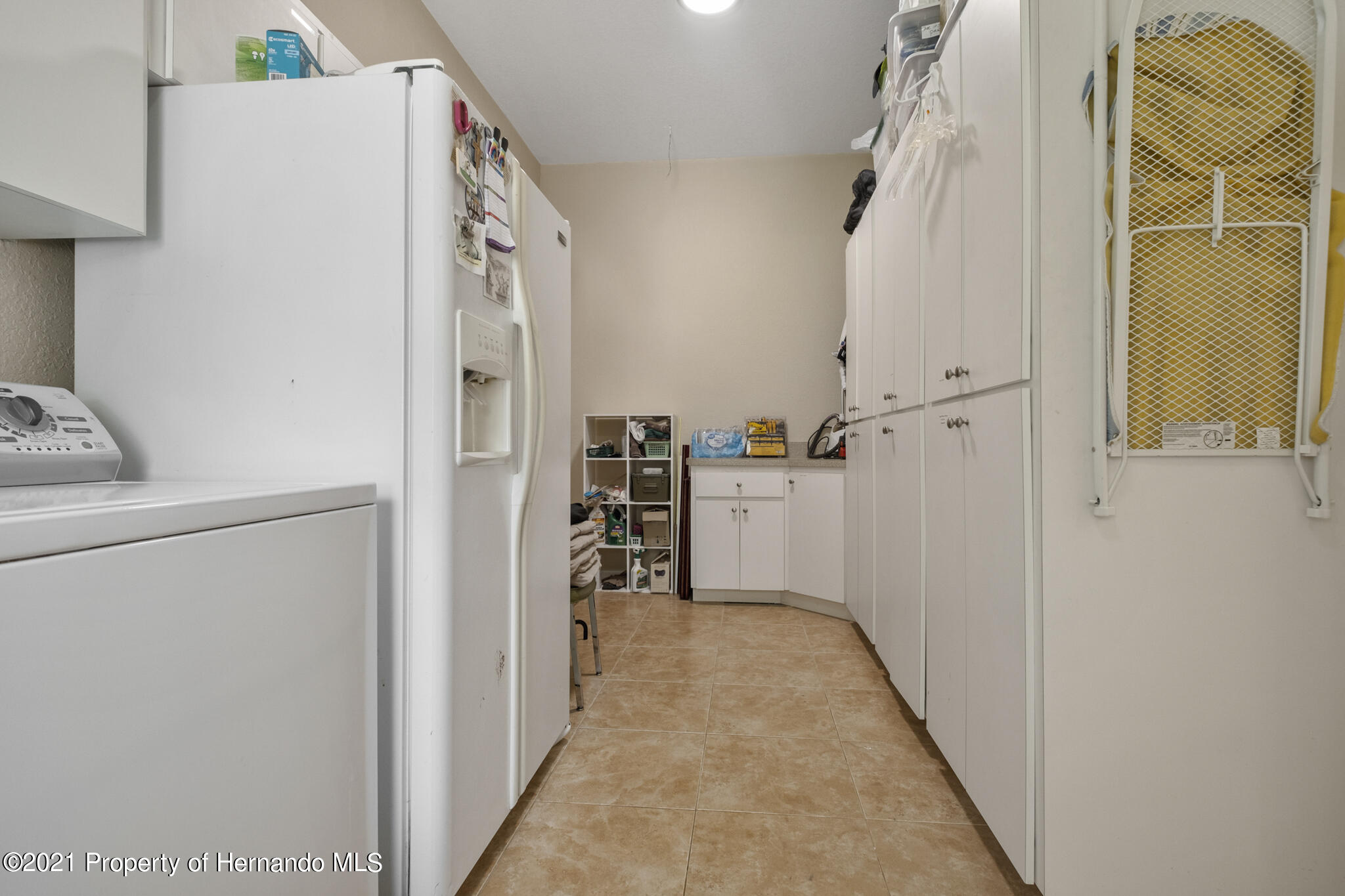 Listing photo id 42 for 12224 Fillmore Street