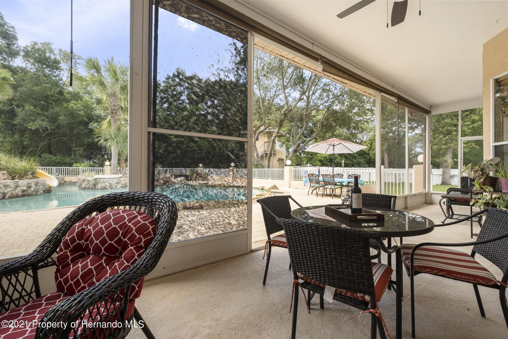 Listing photo id 44 for 12224 Fillmore Street