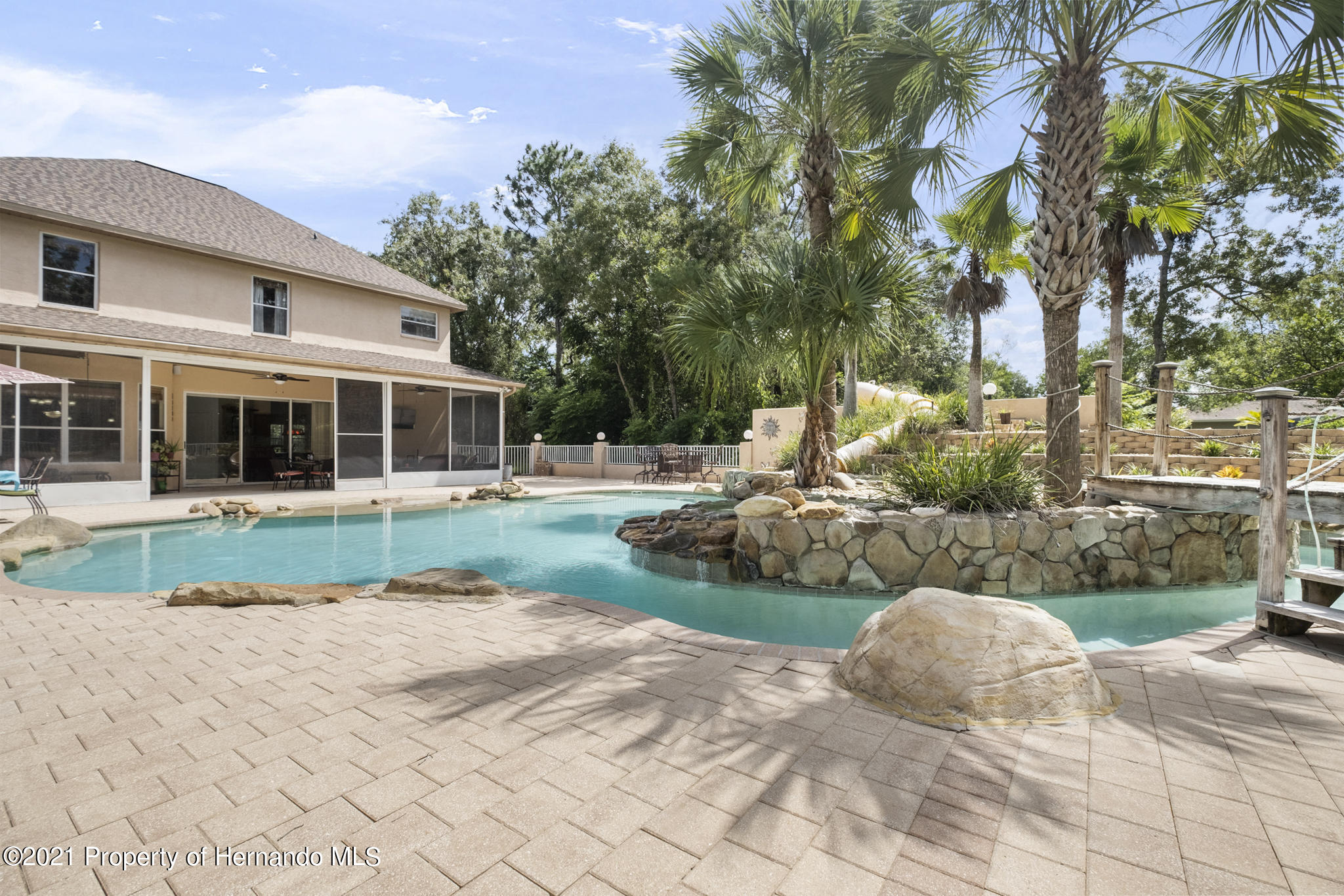 Listing photo id 49 for 12224 Fillmore Street