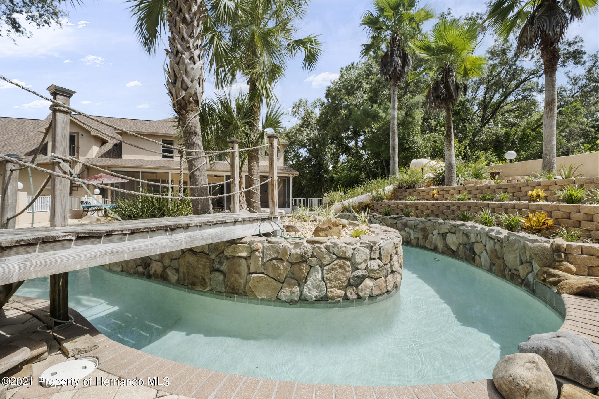 Listing photo id 50 for 12224 Fillmore Street