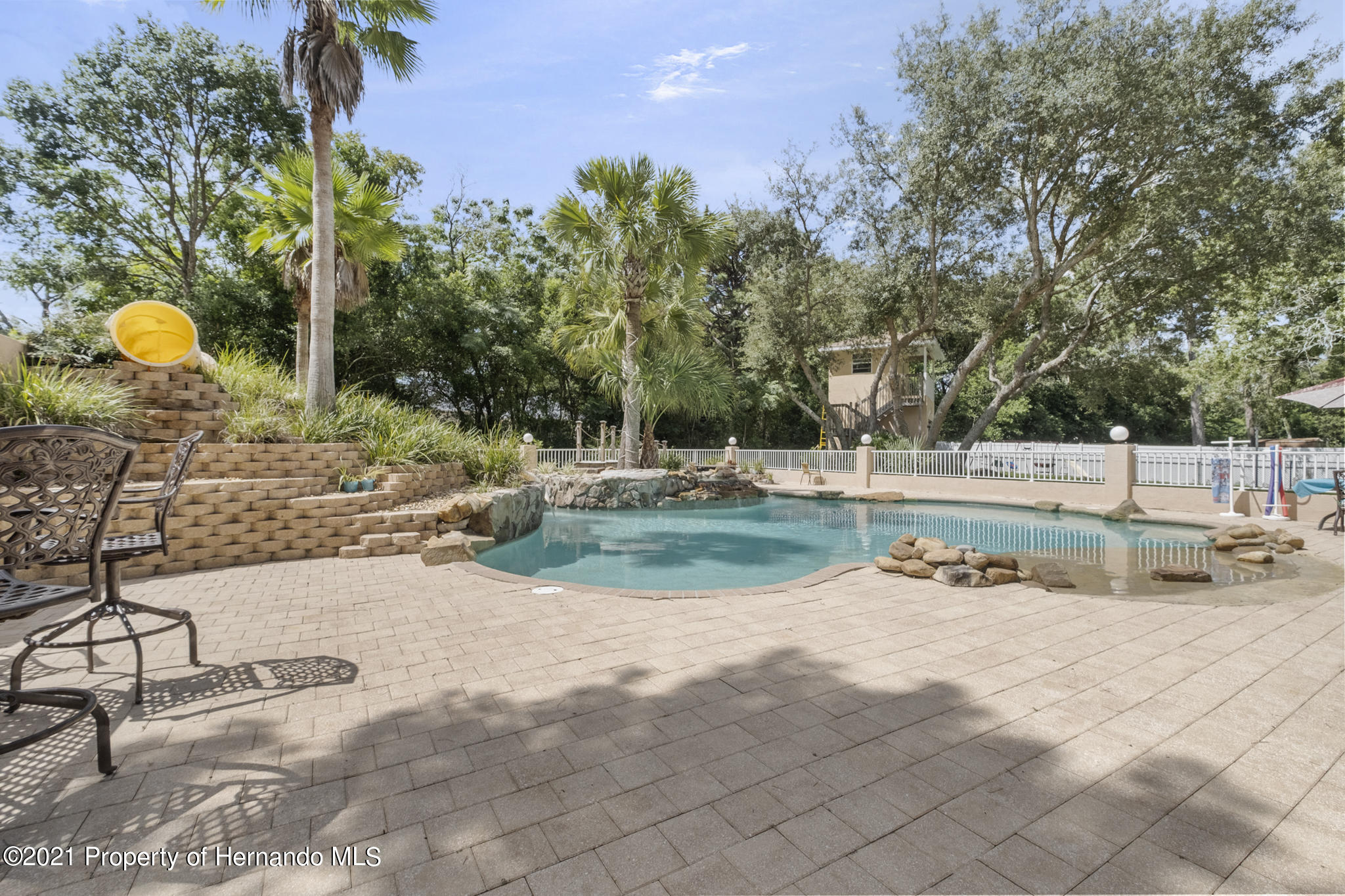 Listing photo id 51 for 12224 Fillmore Street
