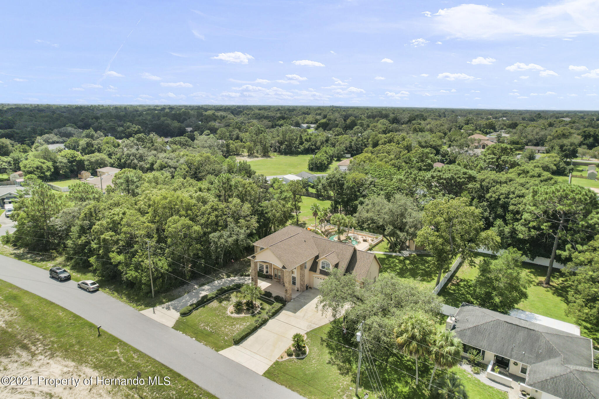 Listing photo id 61 for 12224 Fillmore Street