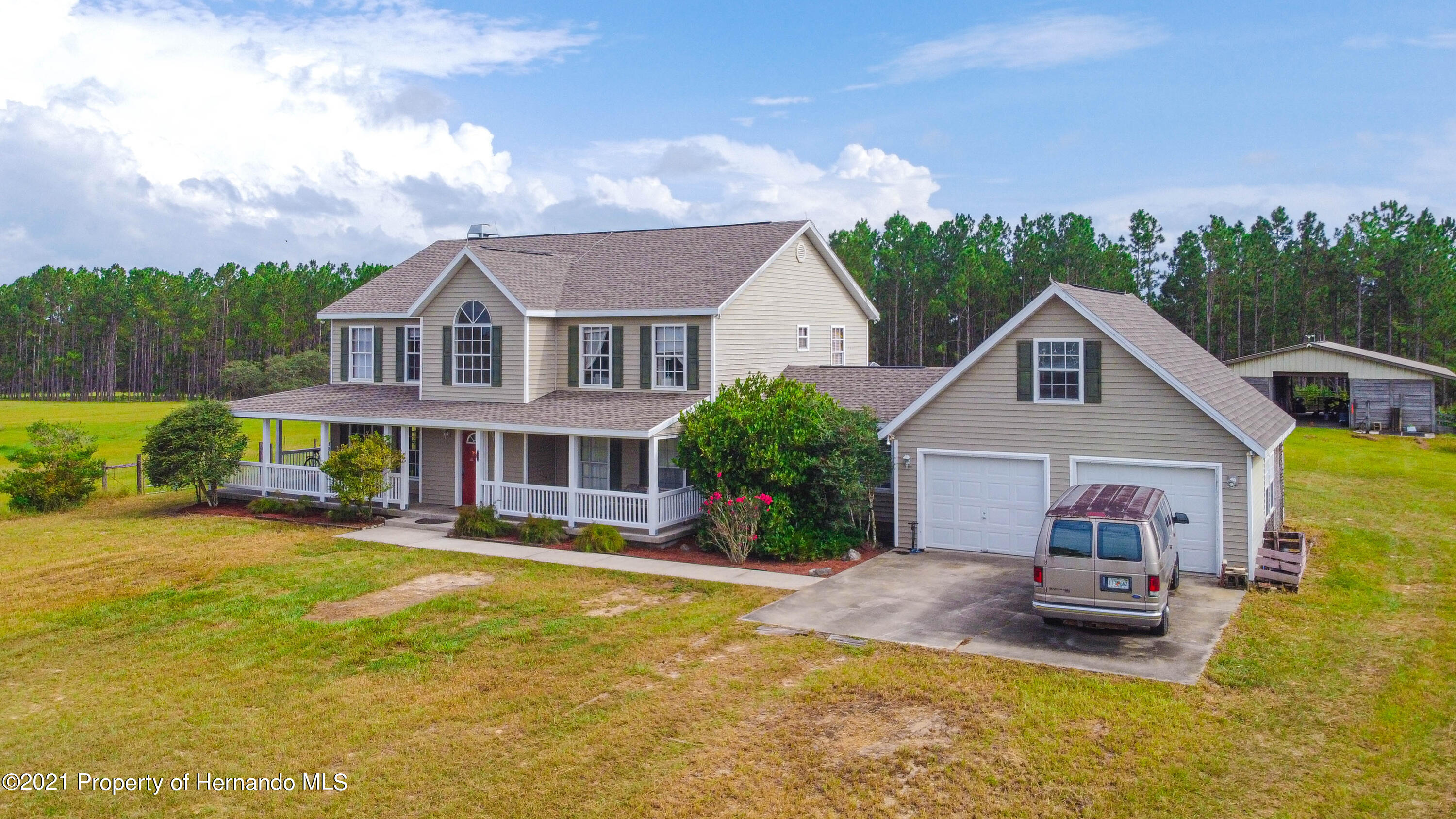 Listing photo id 40 for 13445 Majestic Point
