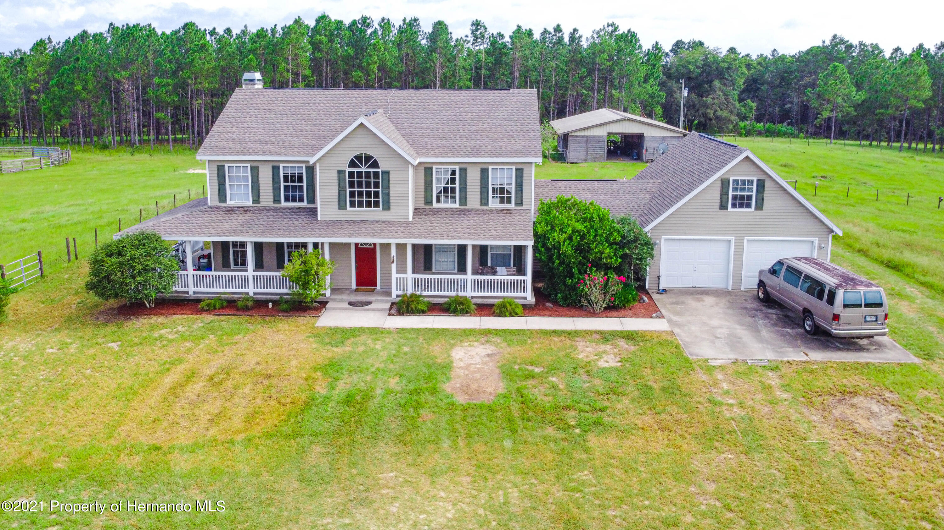 Listing photo id 5 for 13445 Majestic Point