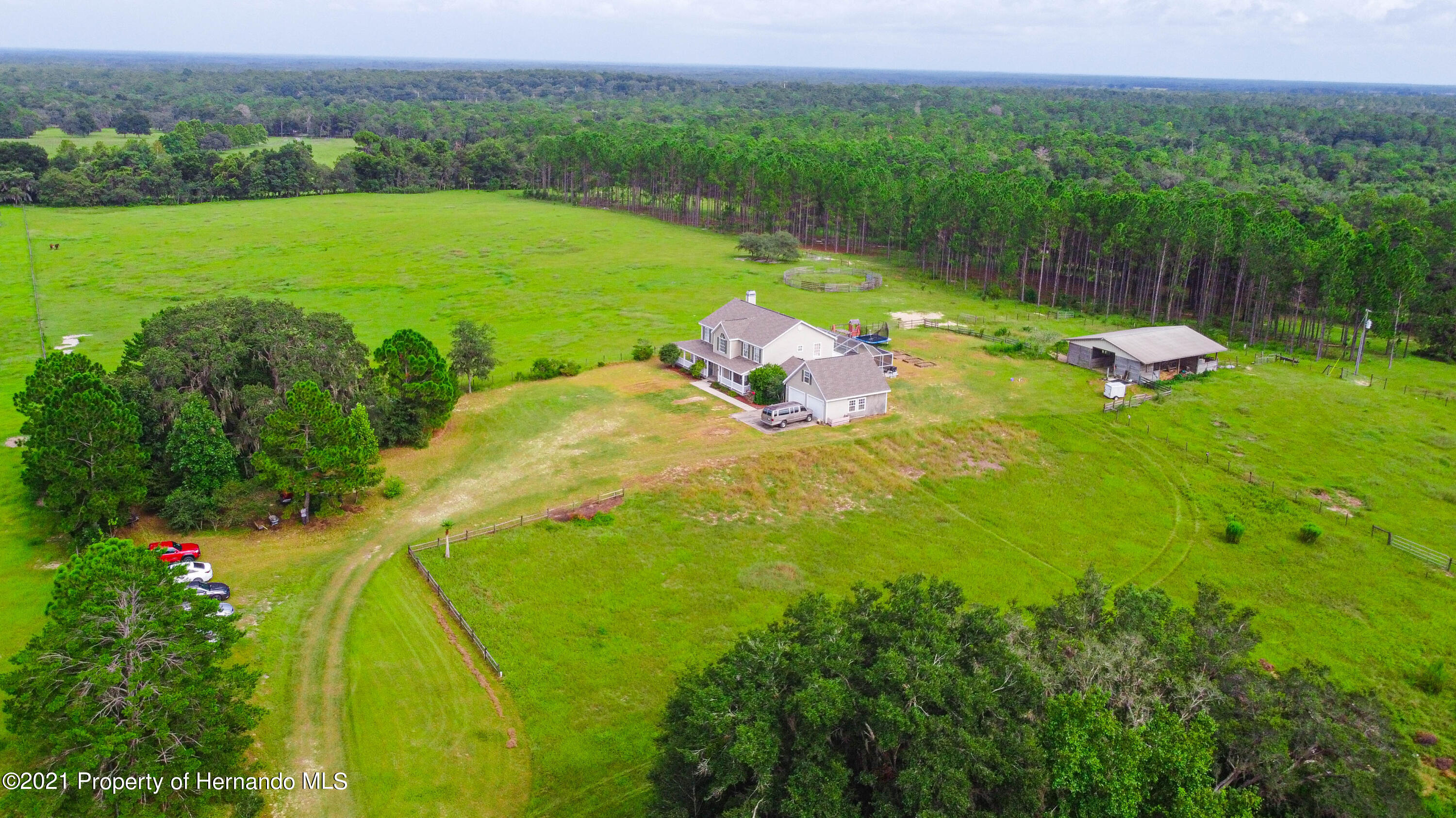 Listing photo id 9 for 13445 Majestic Point