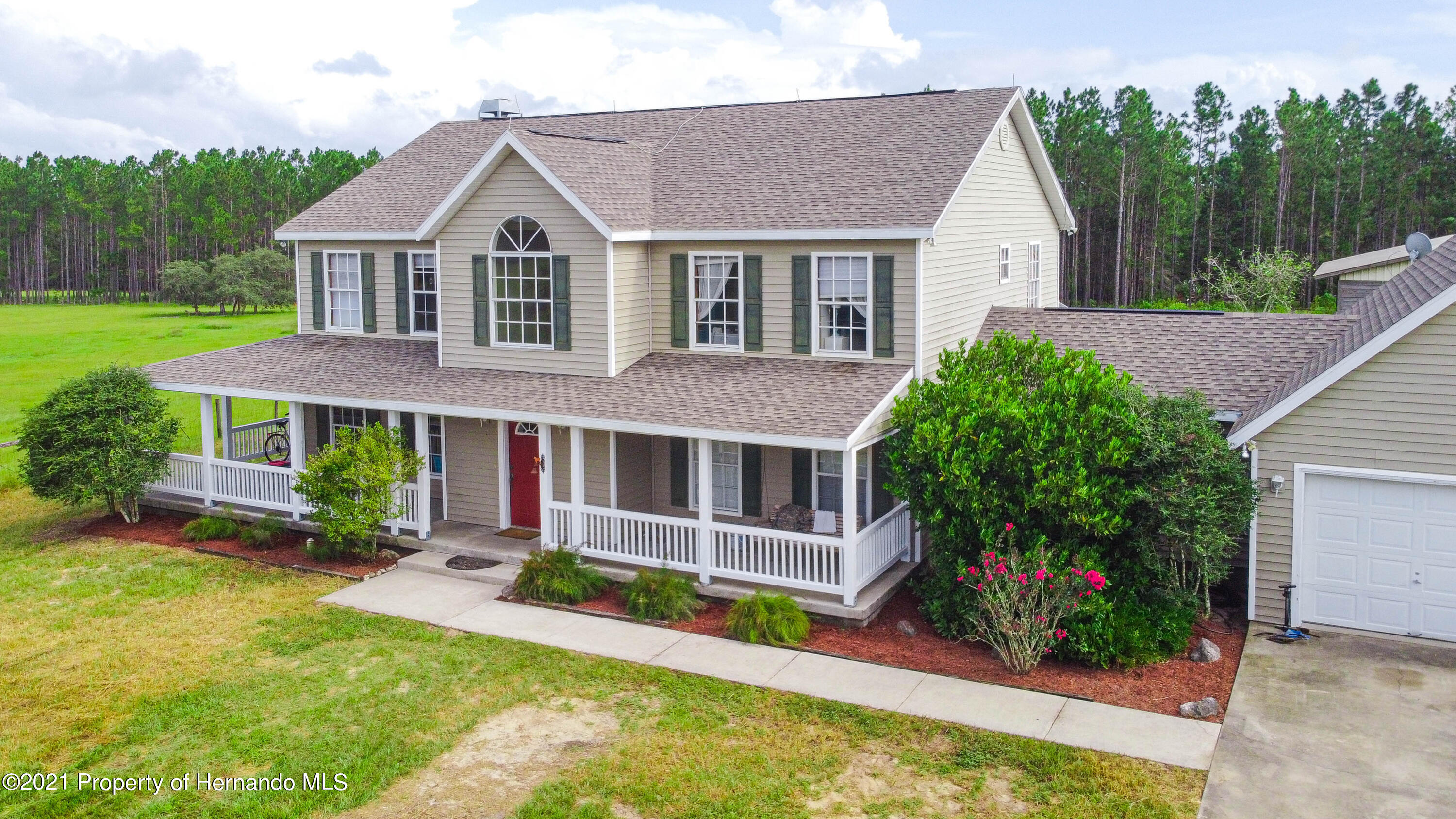 Listing photo id 41 for 13445 Majestic Point