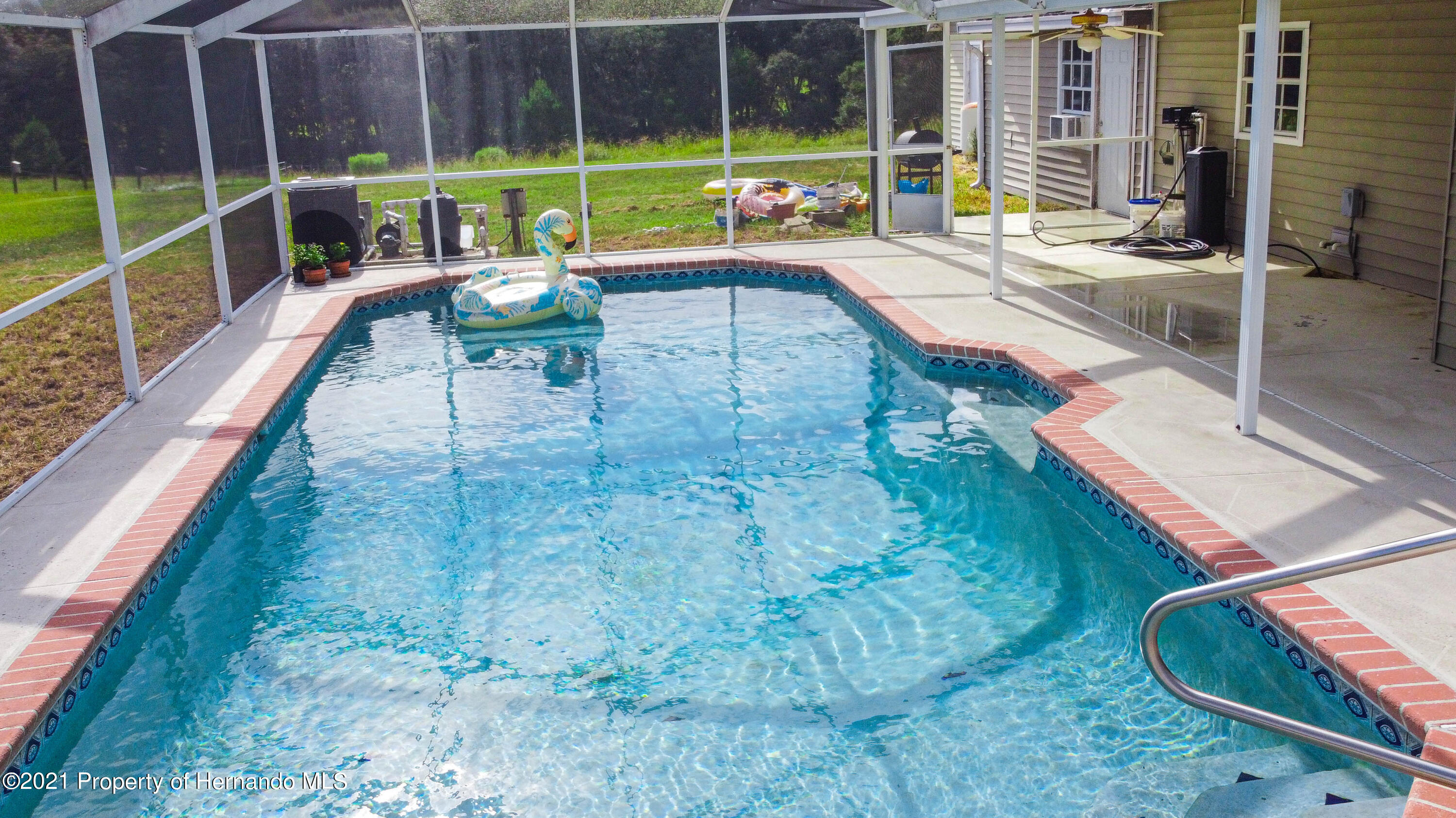 Listing photo id 10 for 13445 Majestic Point