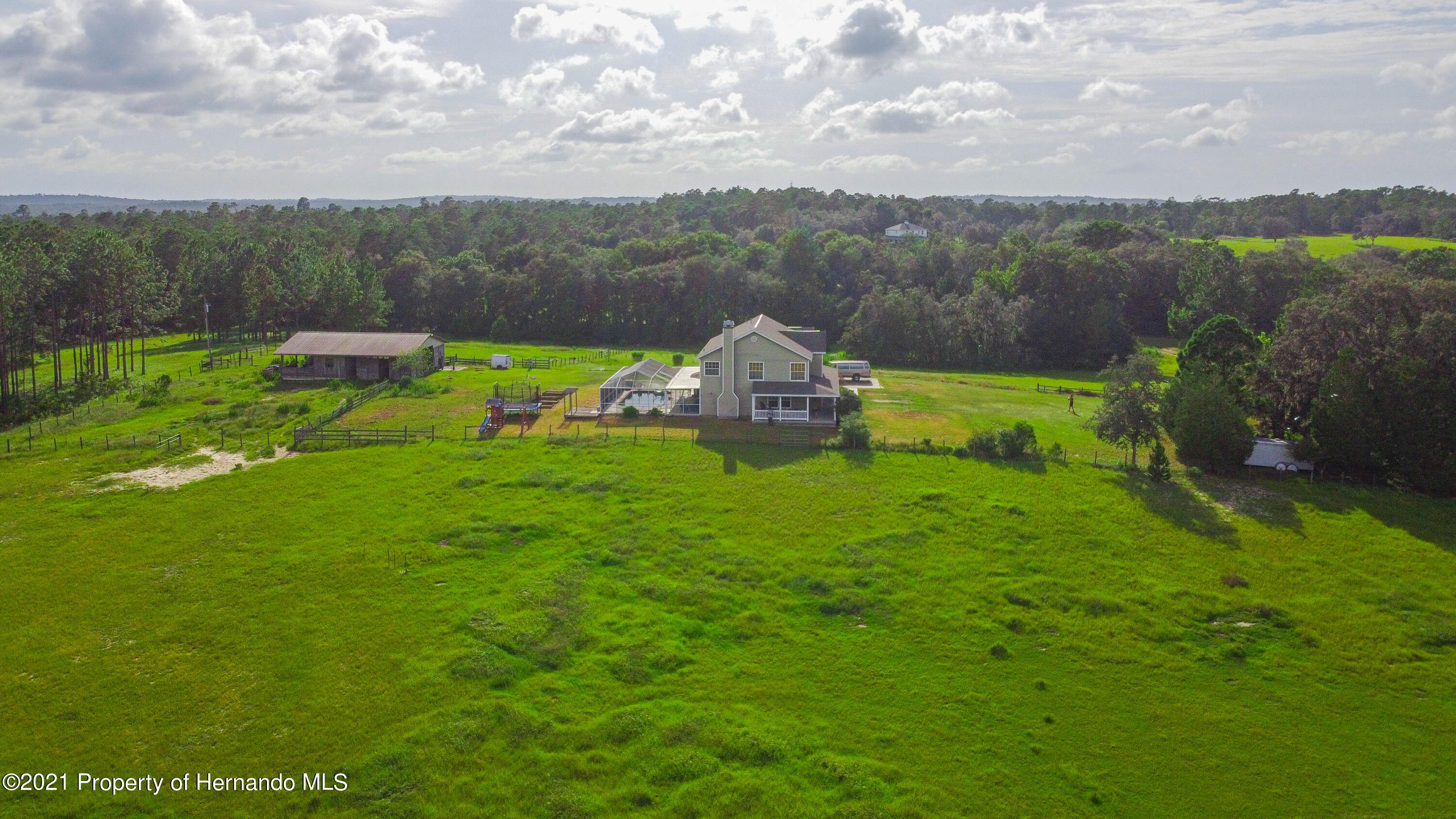 Listing photo id 49 for 13445 Majestic Point