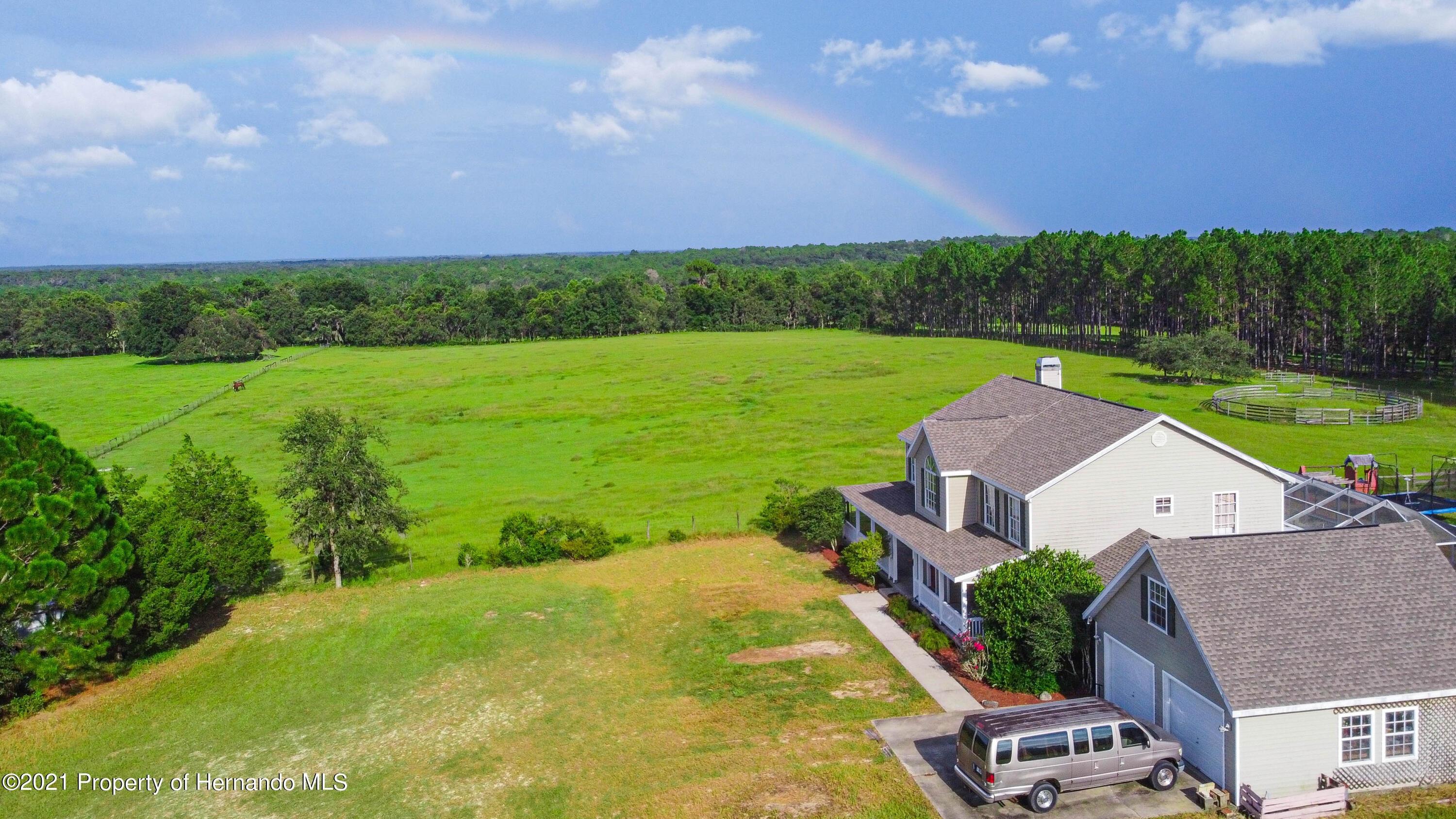 Listing photo id 6 for 13445 Majestic Point