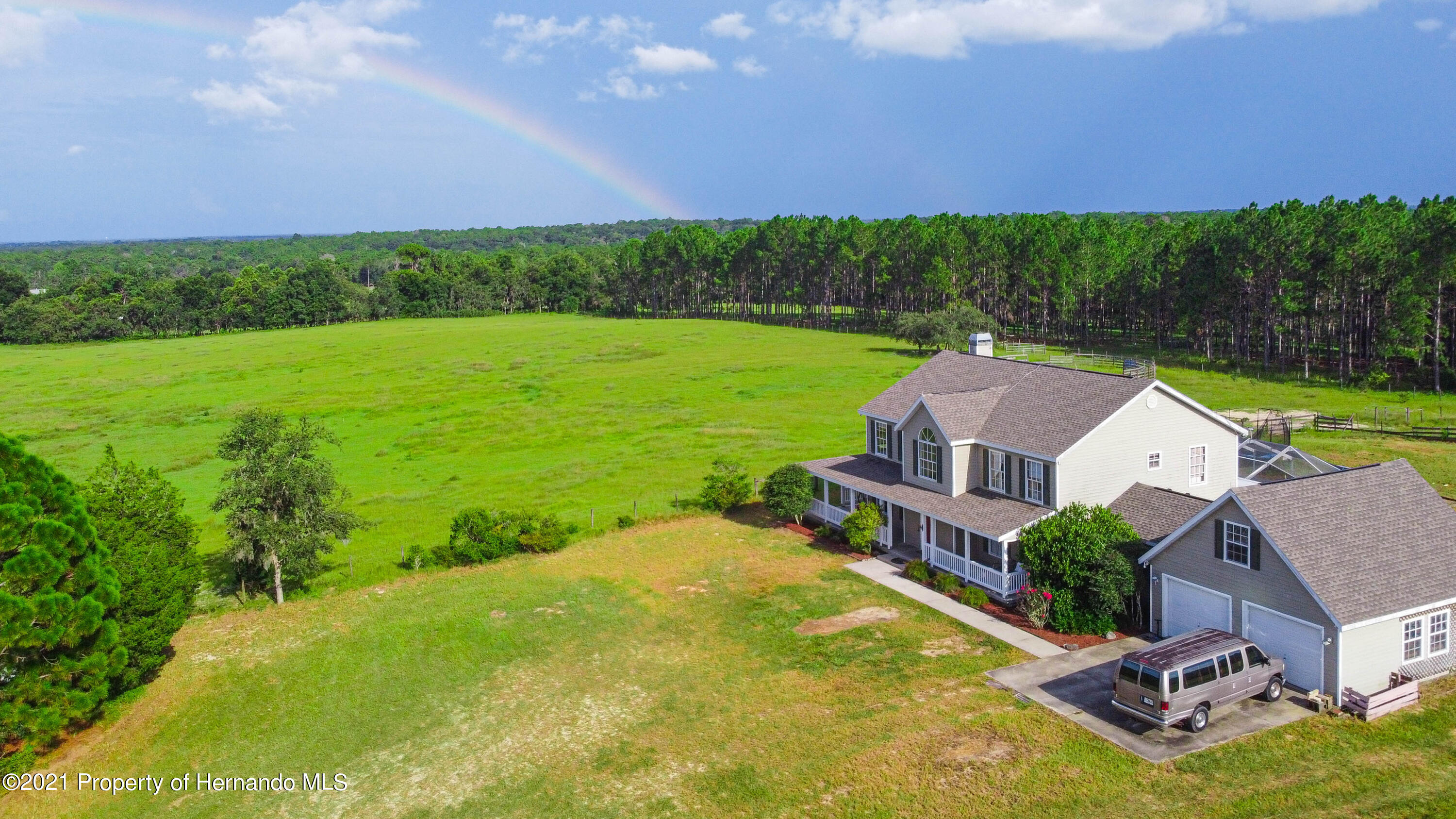 Listing photo id 48 for 13445 Majestic Point