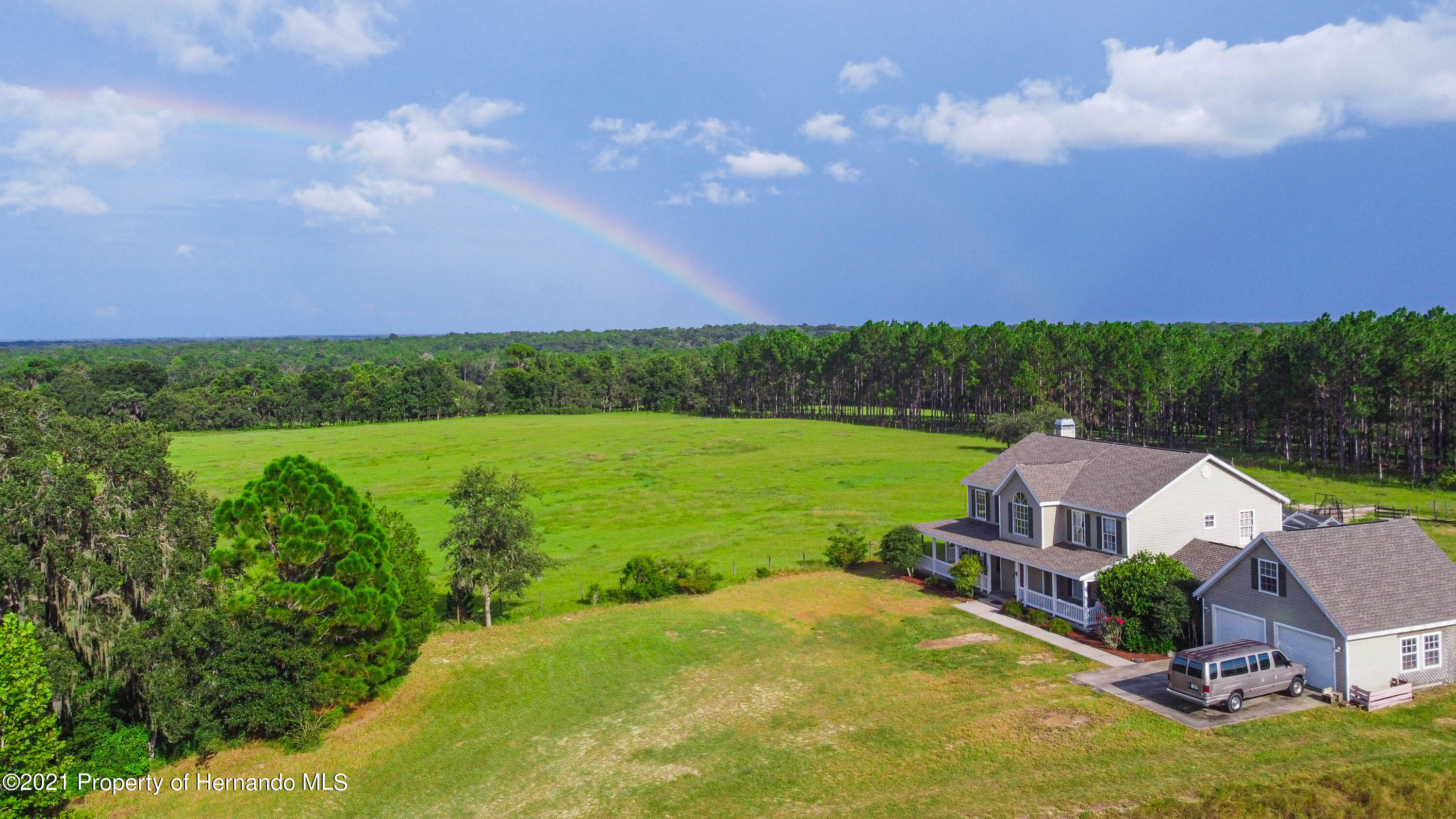 Listing photo id 50 for 13445 Majestic Point