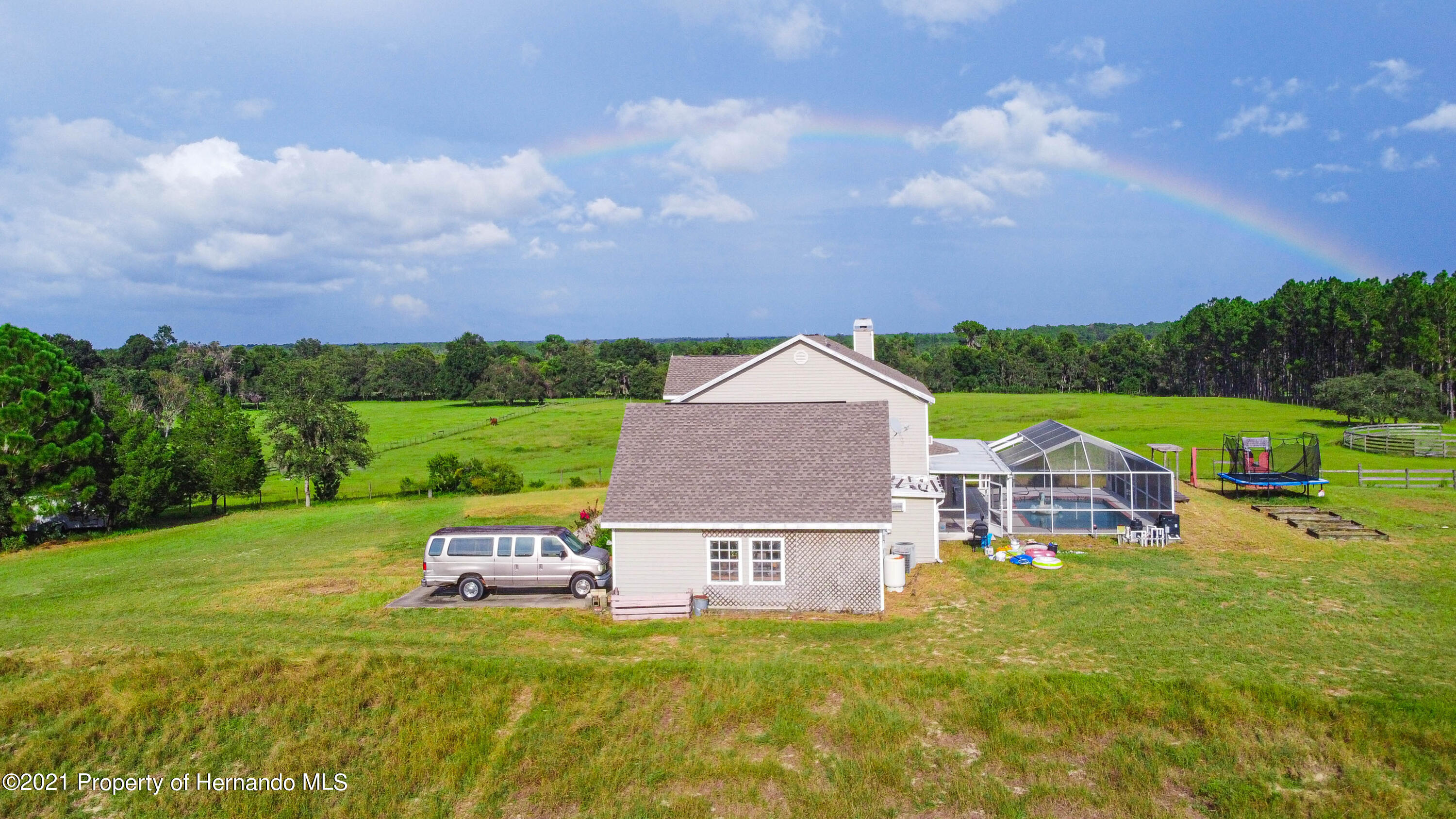 Listing photo id 52 for 13445 Majestic Point