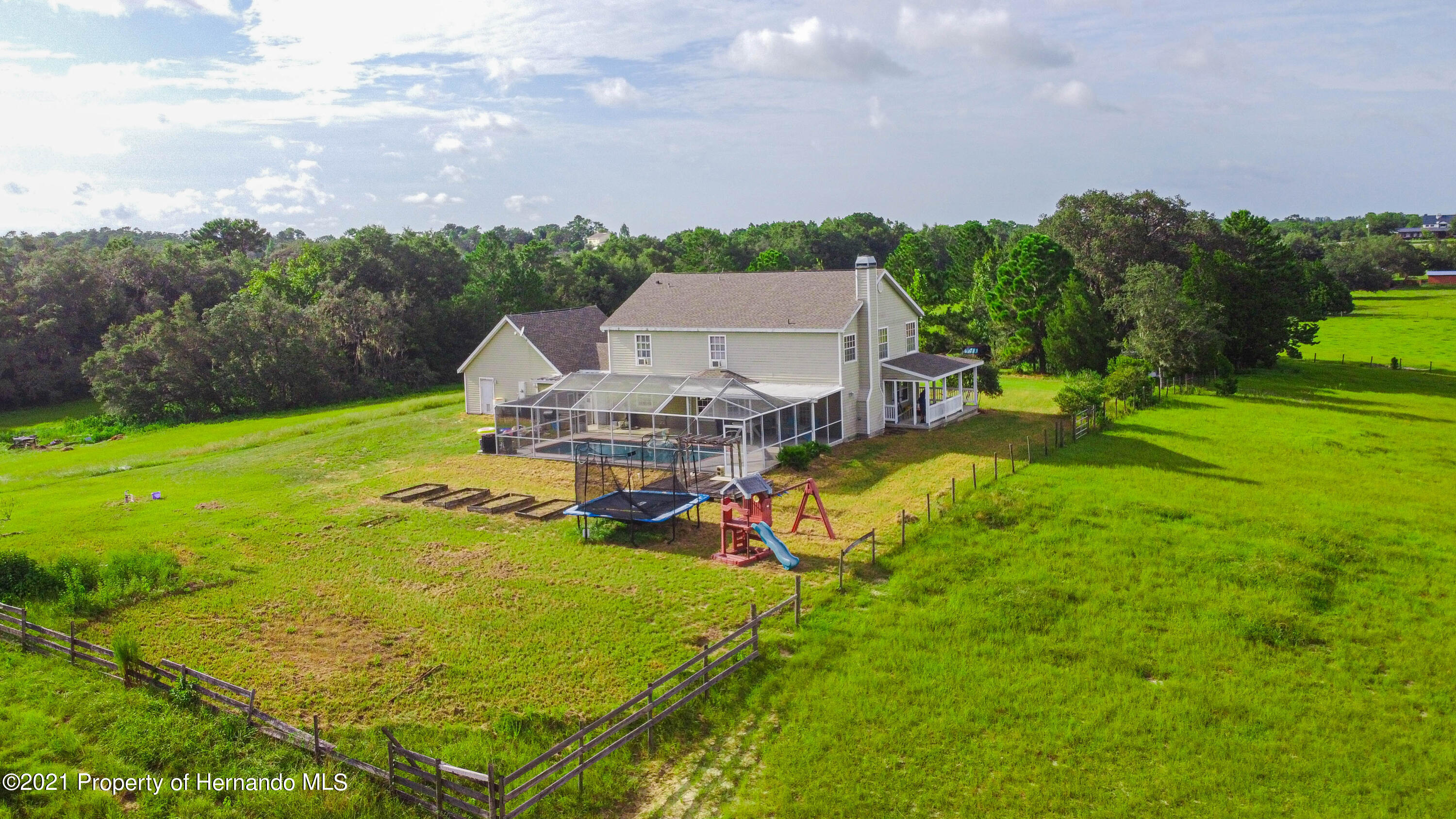 Listing photo id 43 for 13445 Majestic Point