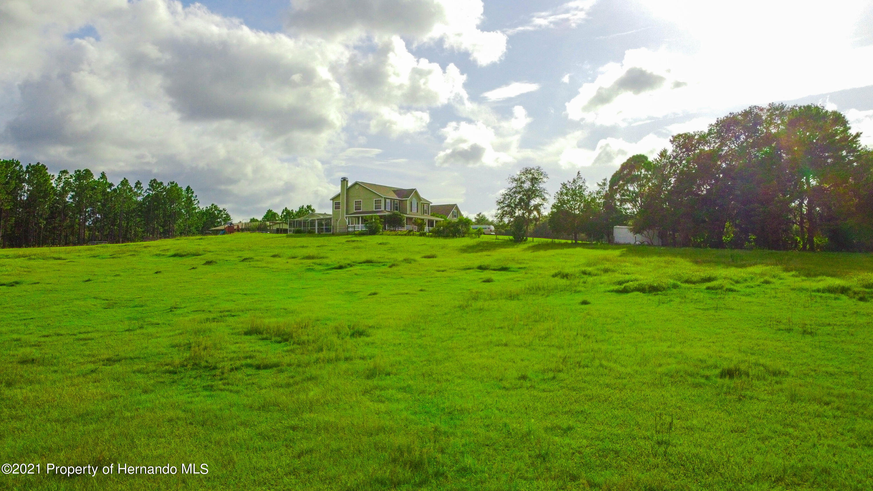 Listing photo id 8 for 13445 Majestic Point