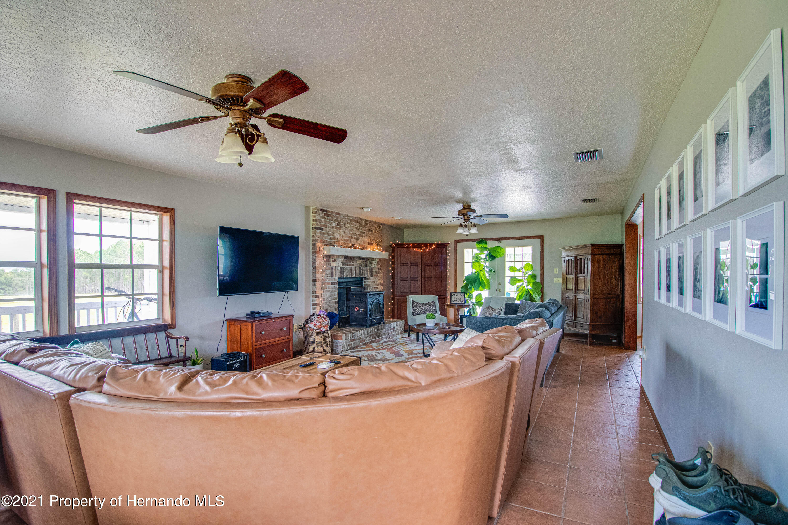 Listing photo id 13 for 13445 Majestic Point