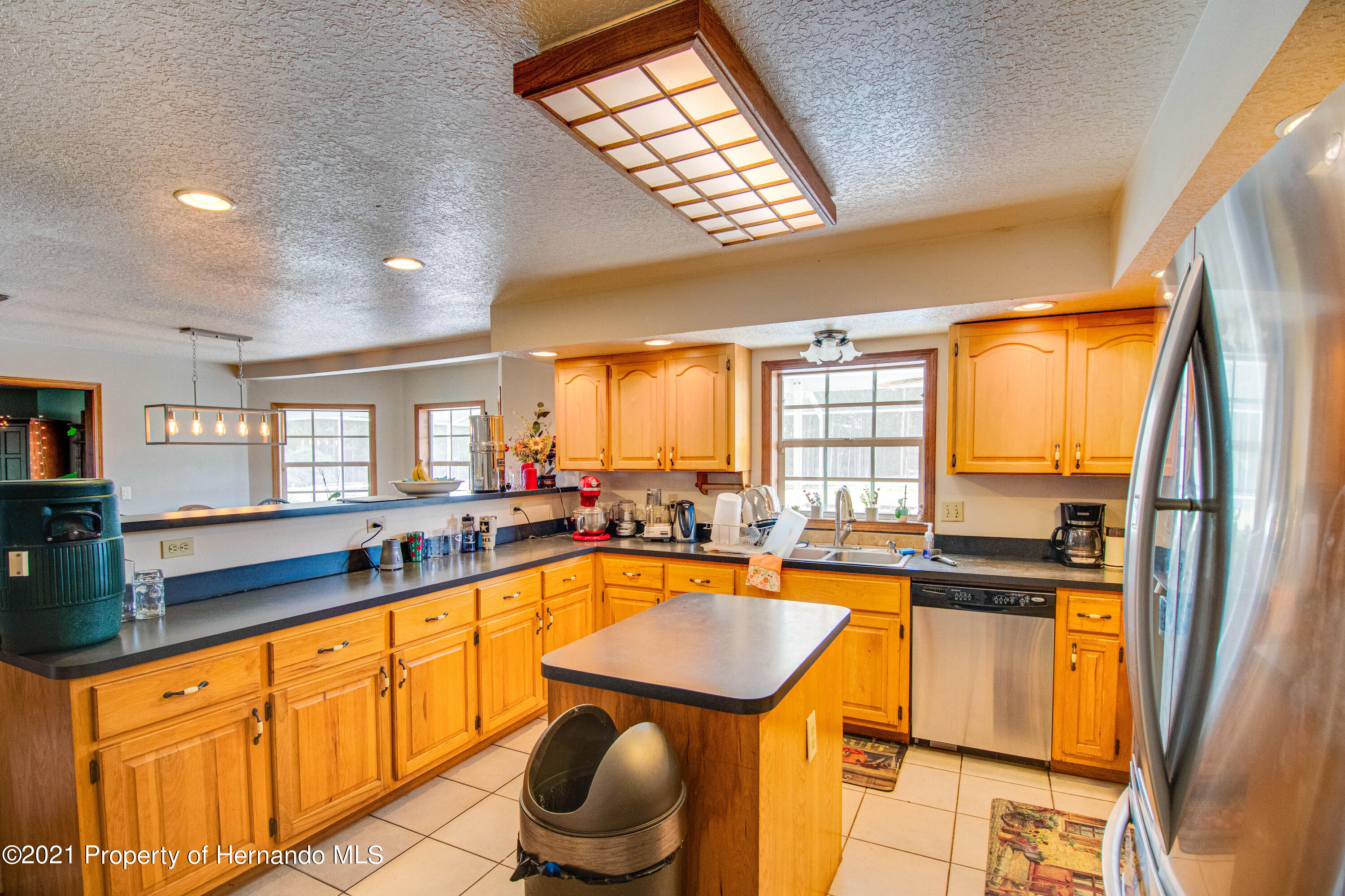 Listing photo id 22 for 13445 Majestic Point