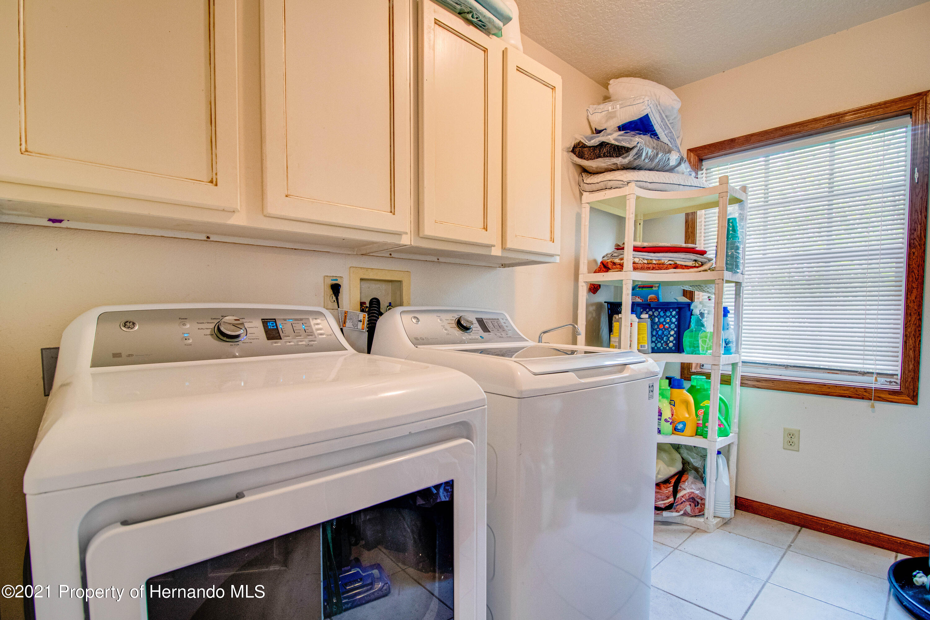 Listing photo id 37 for 13445 Majestic Point