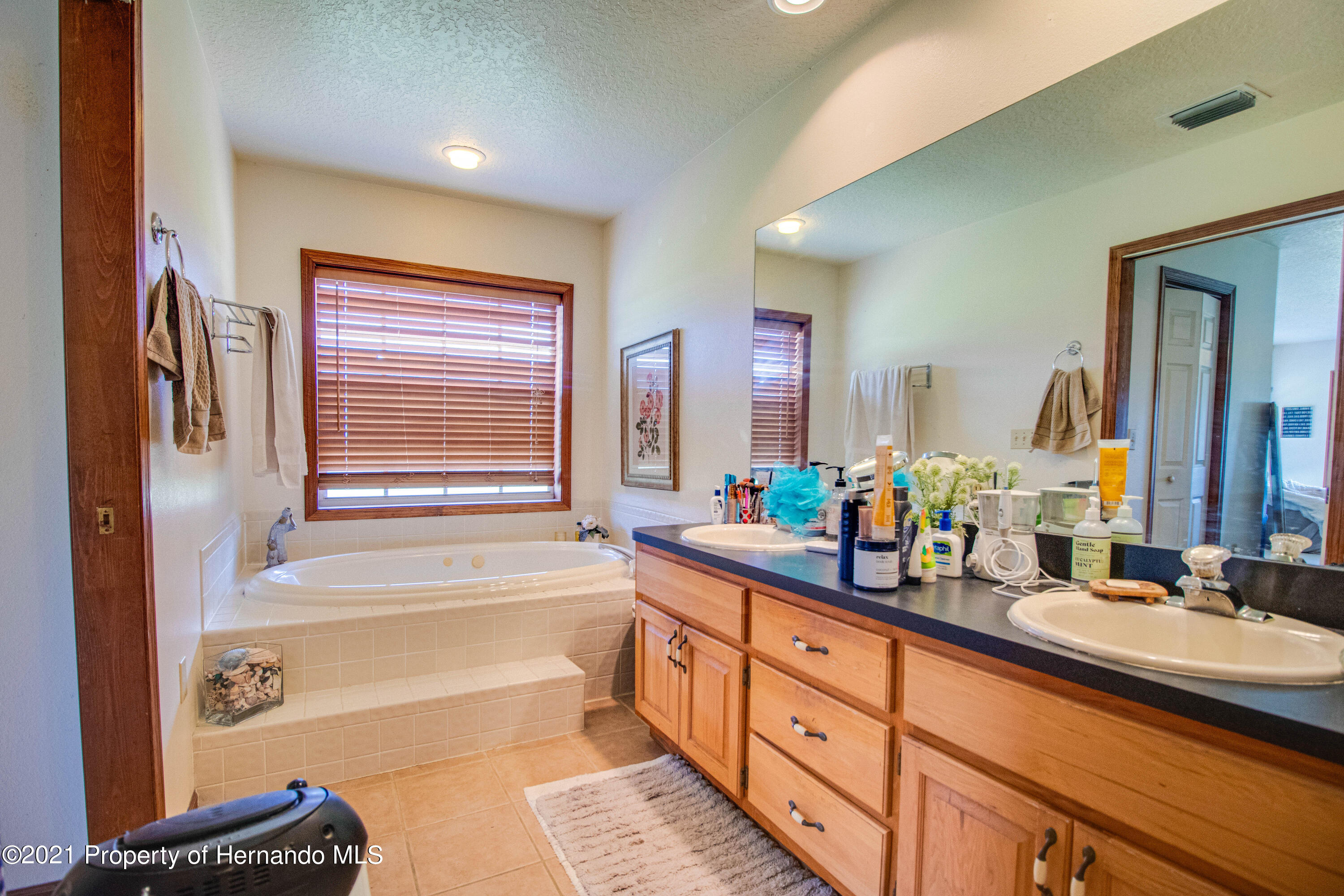 Listing photo id 29 for 13445 Majestic Point