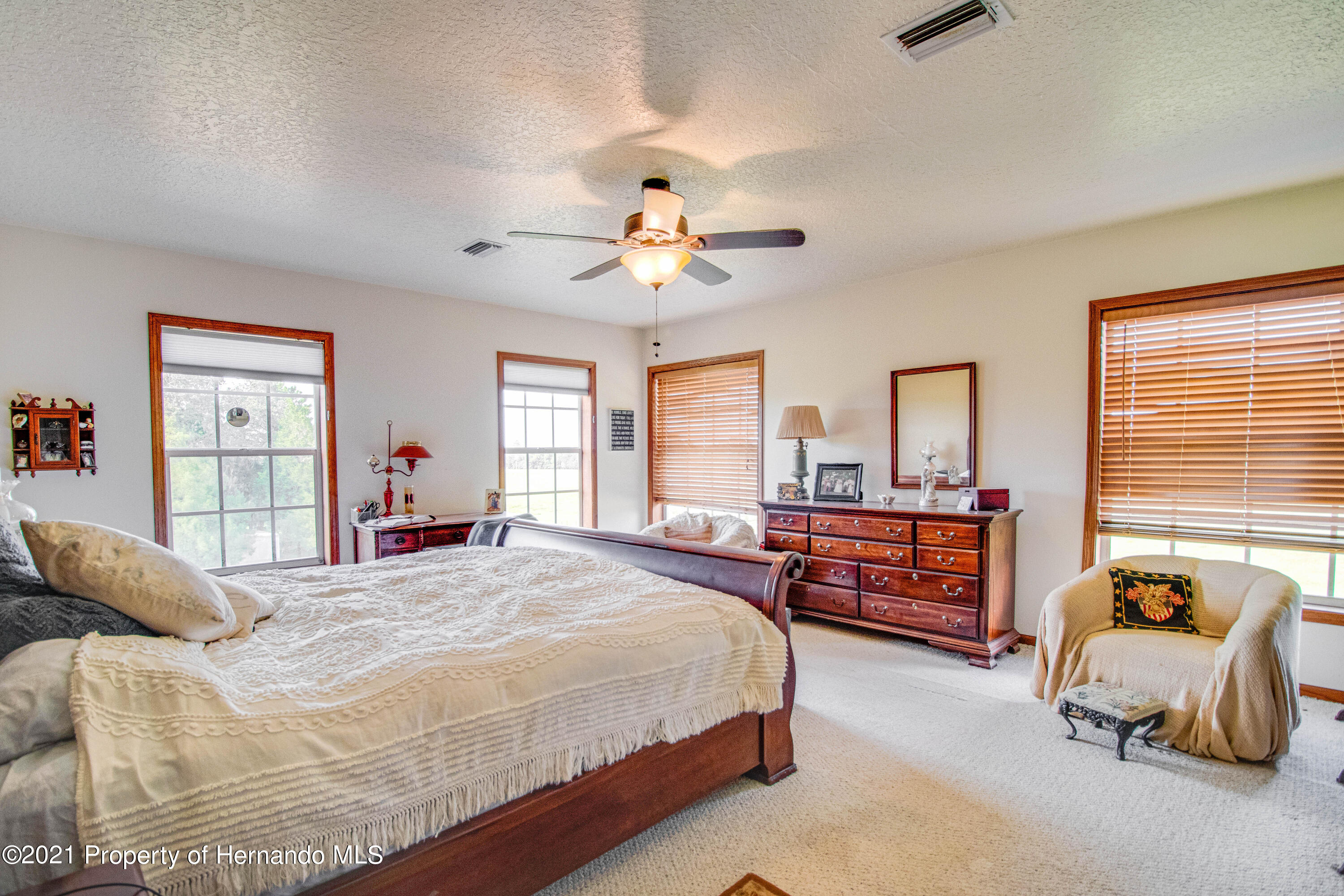 Listing photo id 28 for 13445 Majestic Point