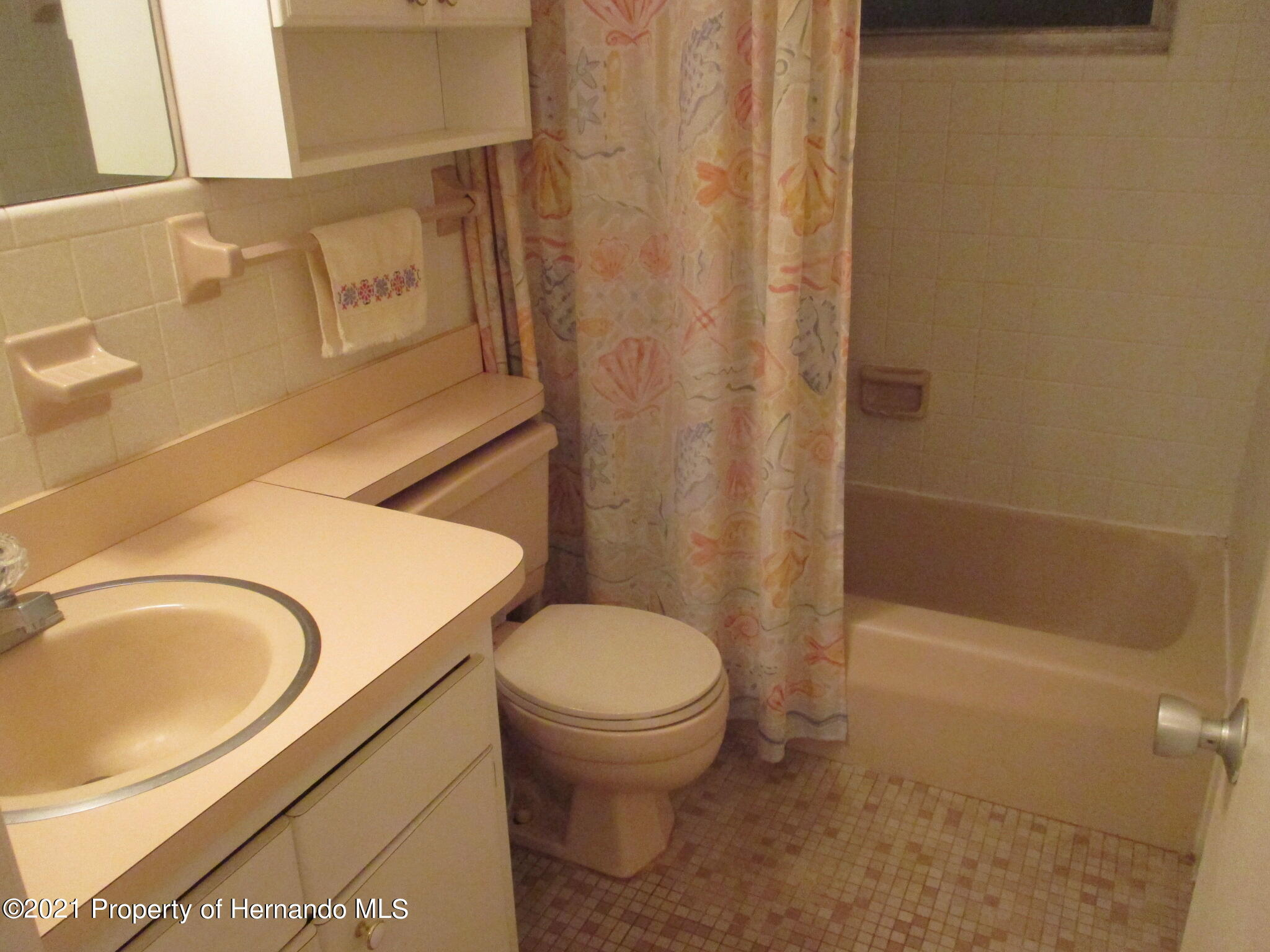 Listing photo id 27 for 6224 Kelvin Court
