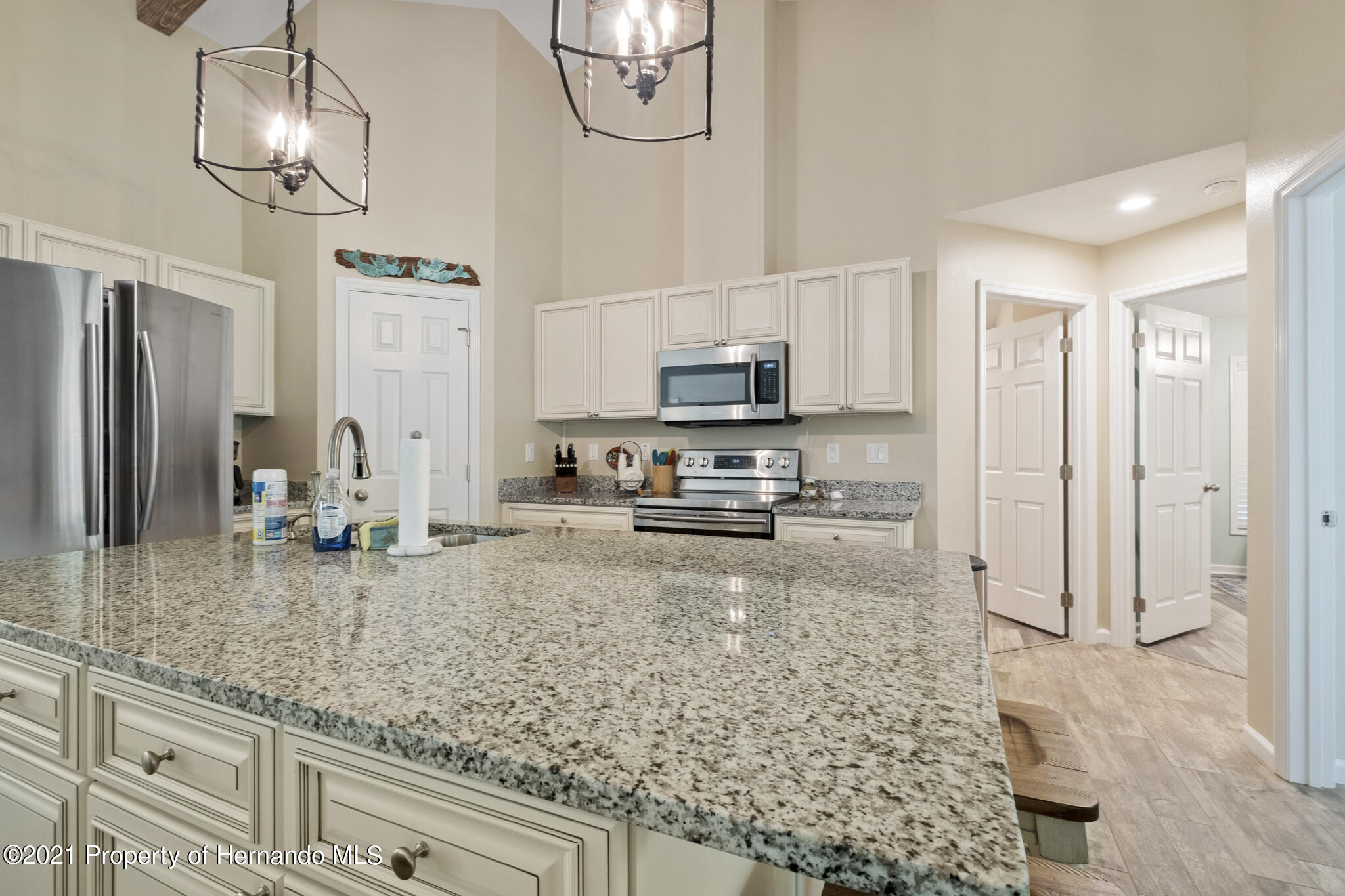 Listing photo id 11 for 13 Twinberry Court