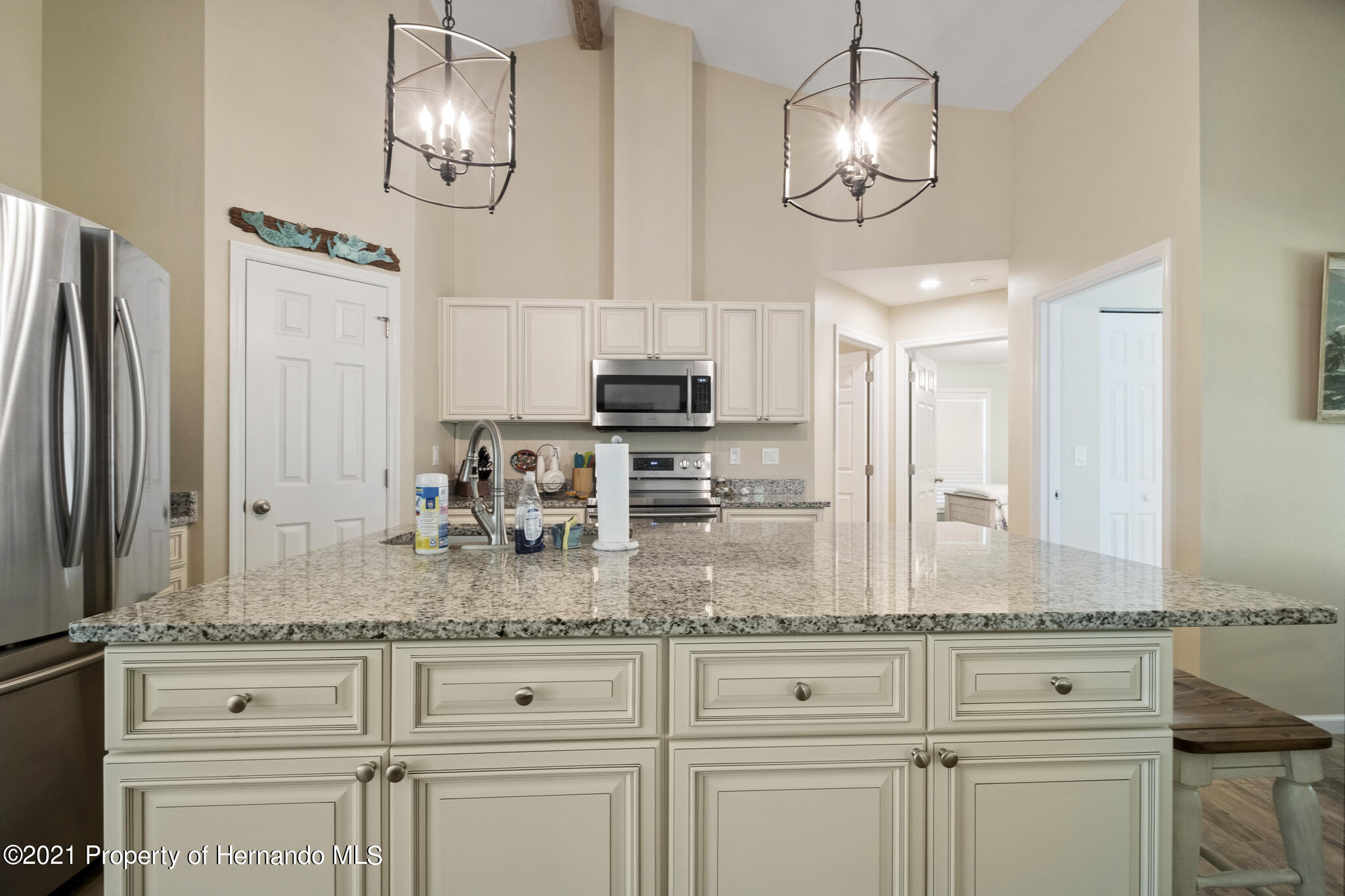 Listing photo id 14 for 13 Twinberry Court