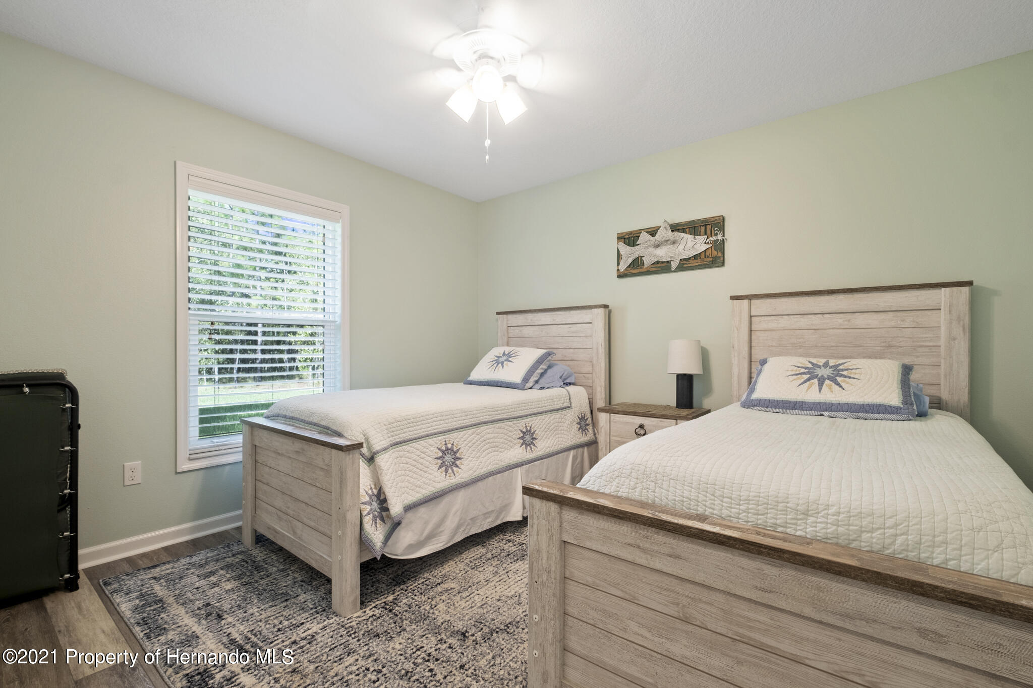 Listing photo id 23 for 13 Twinberry Court