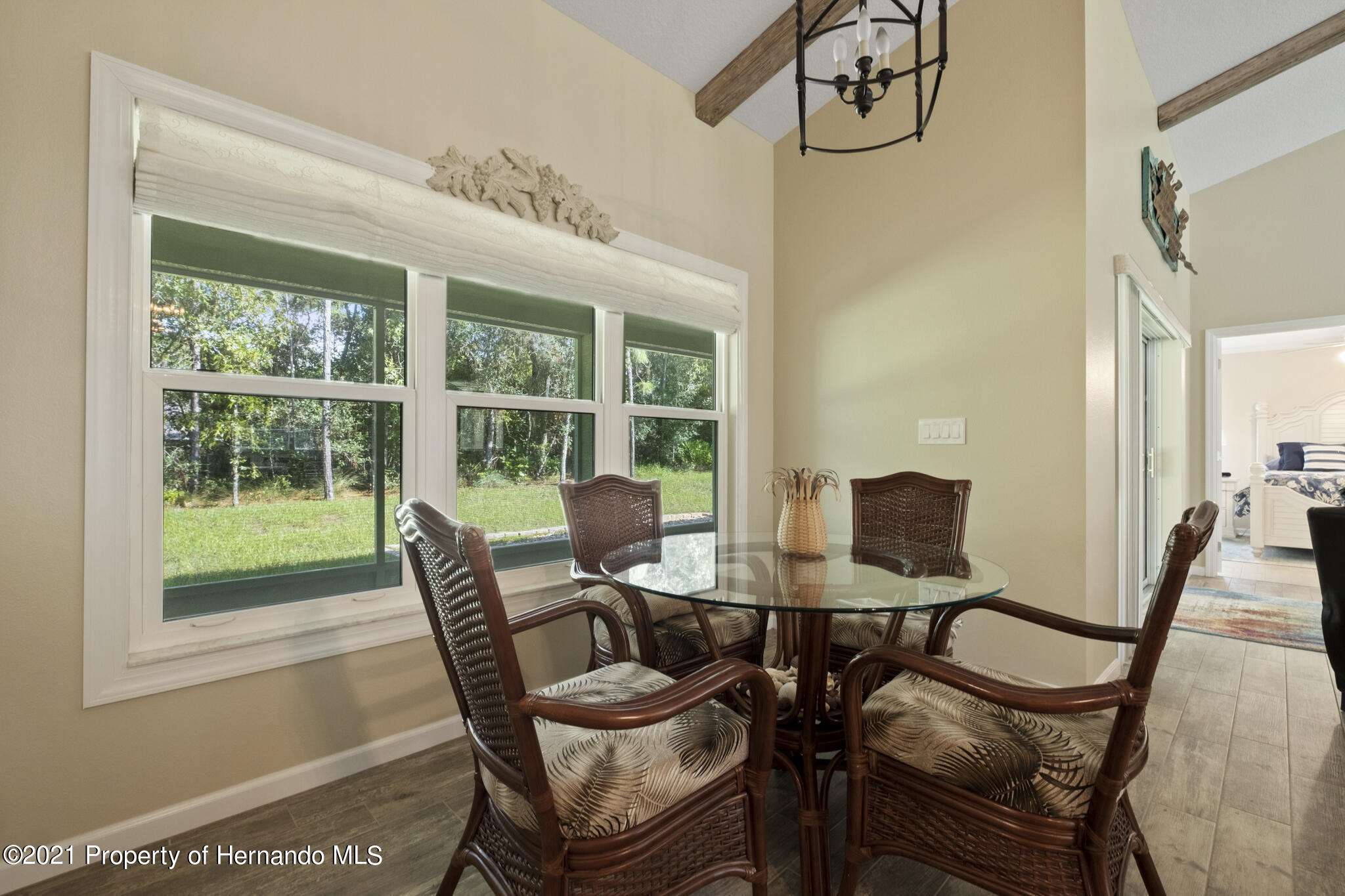 Listing photo id 16 for 13 Twinberry Court