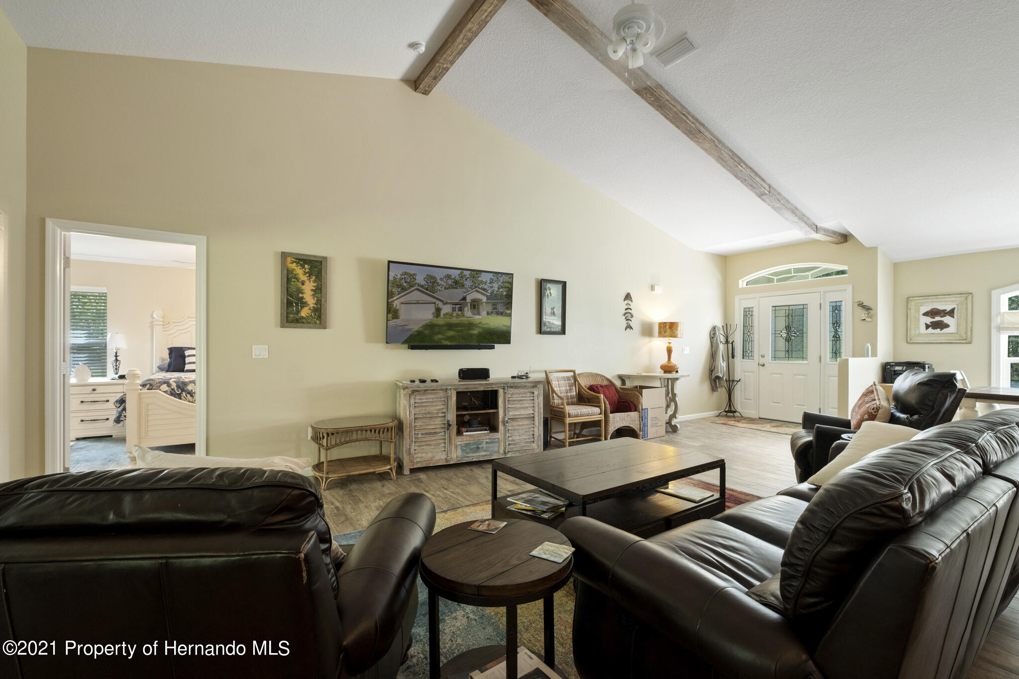 Listing photo id 8 for 13 Twinberry Court