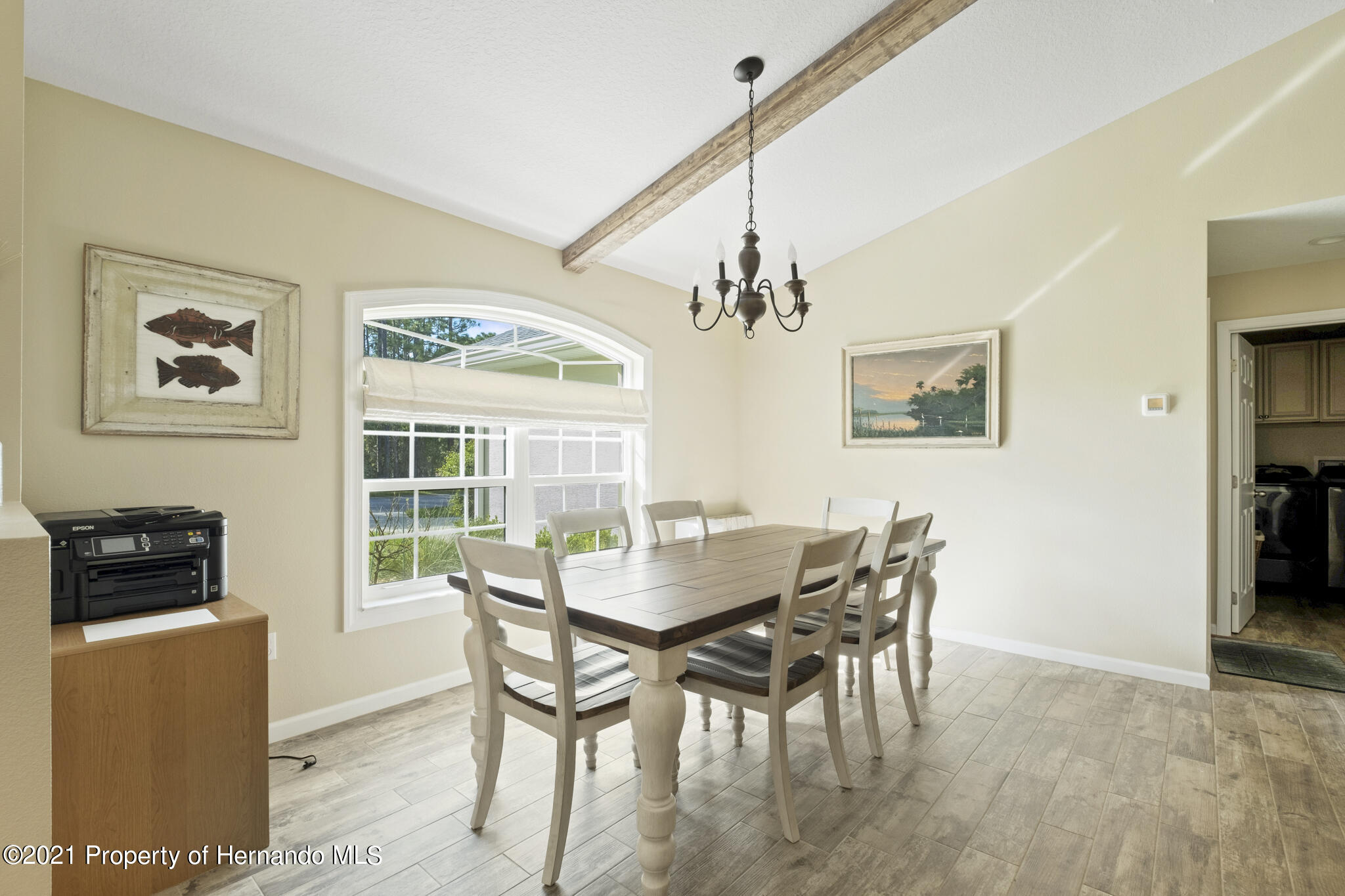 Listing photo id 5 for 13 Twinberry Court