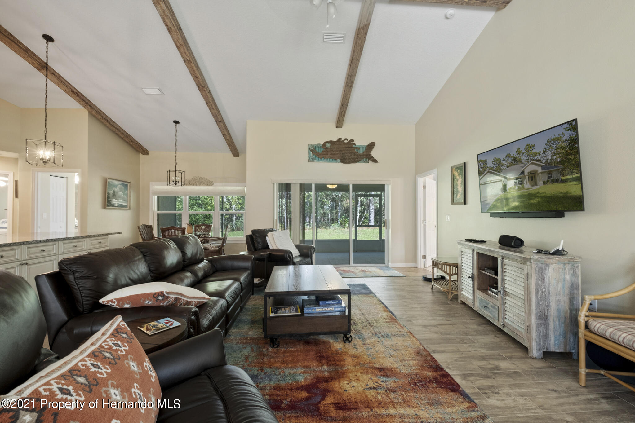 Listing photo id 7 for 13 Twinberry Court