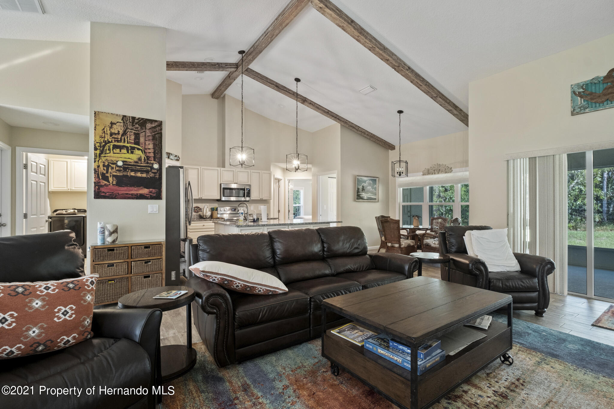 Listing photo id 10 for 13 Twinberry Court