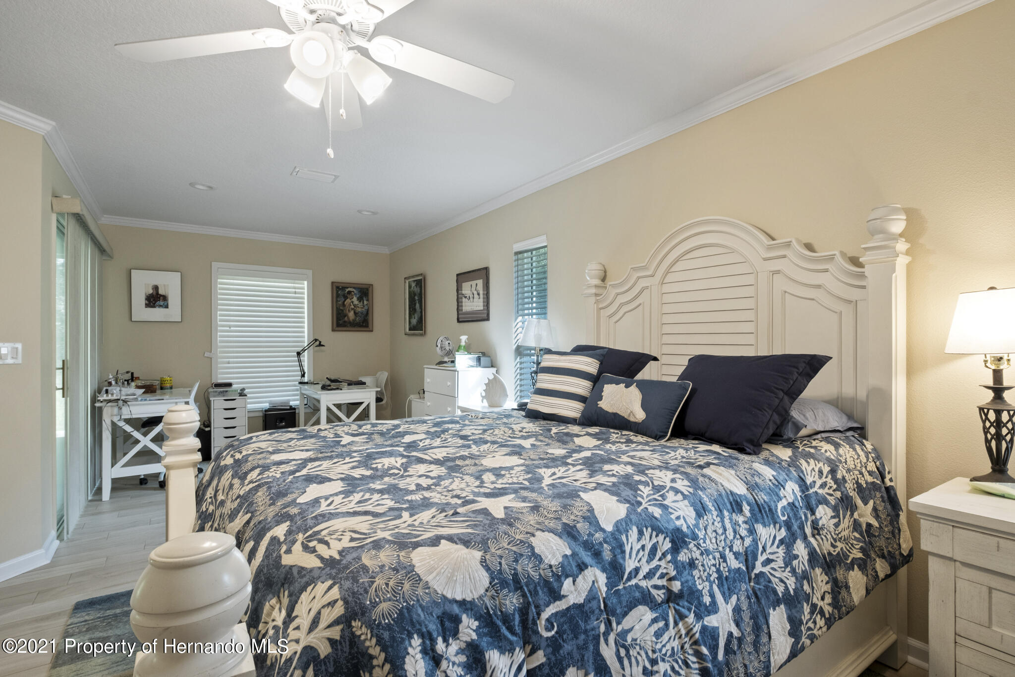 Listing photo id 18 for 13 Twinberry Court