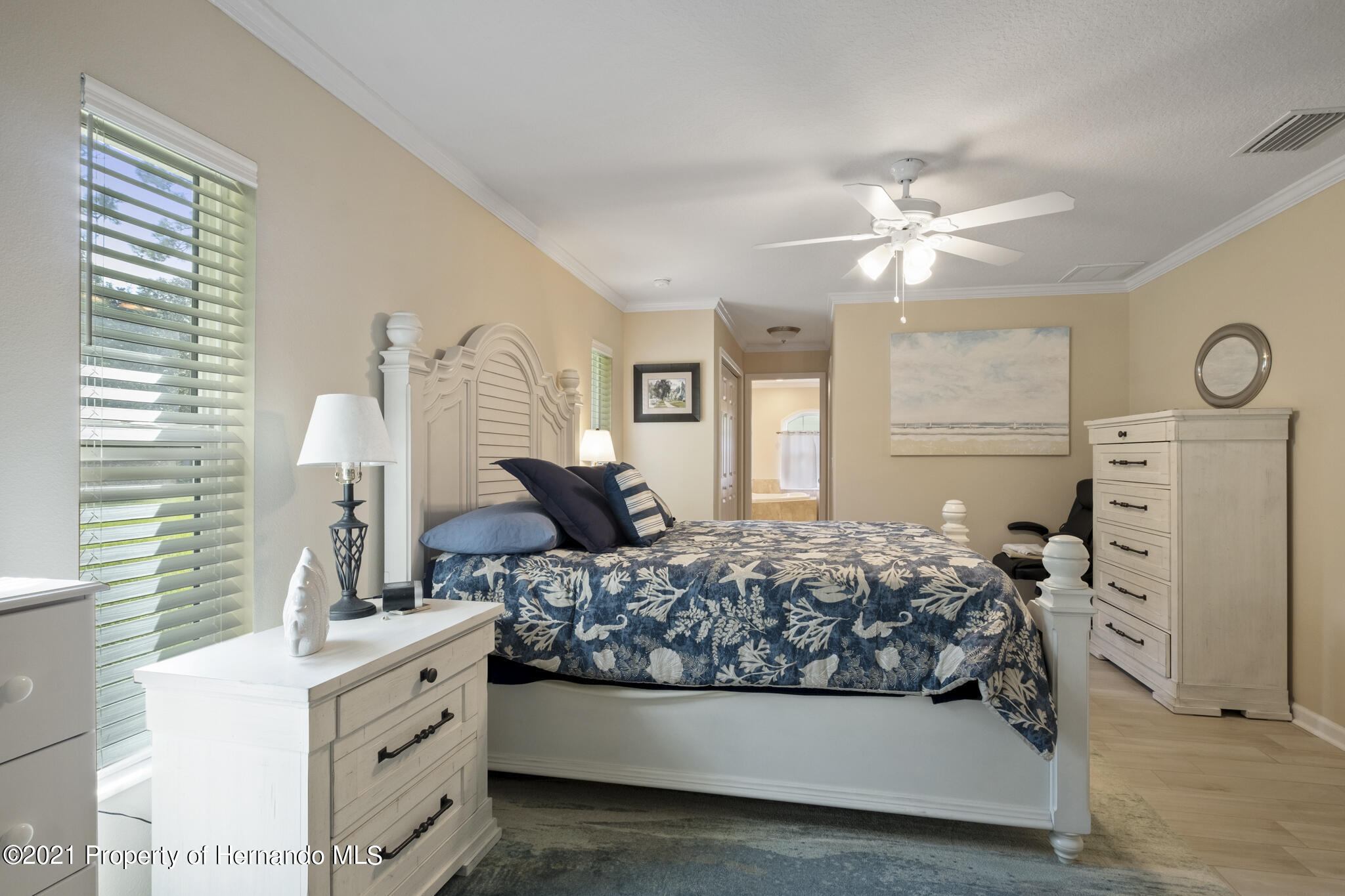 Listing photo id 21 for 13 Twinberry Court