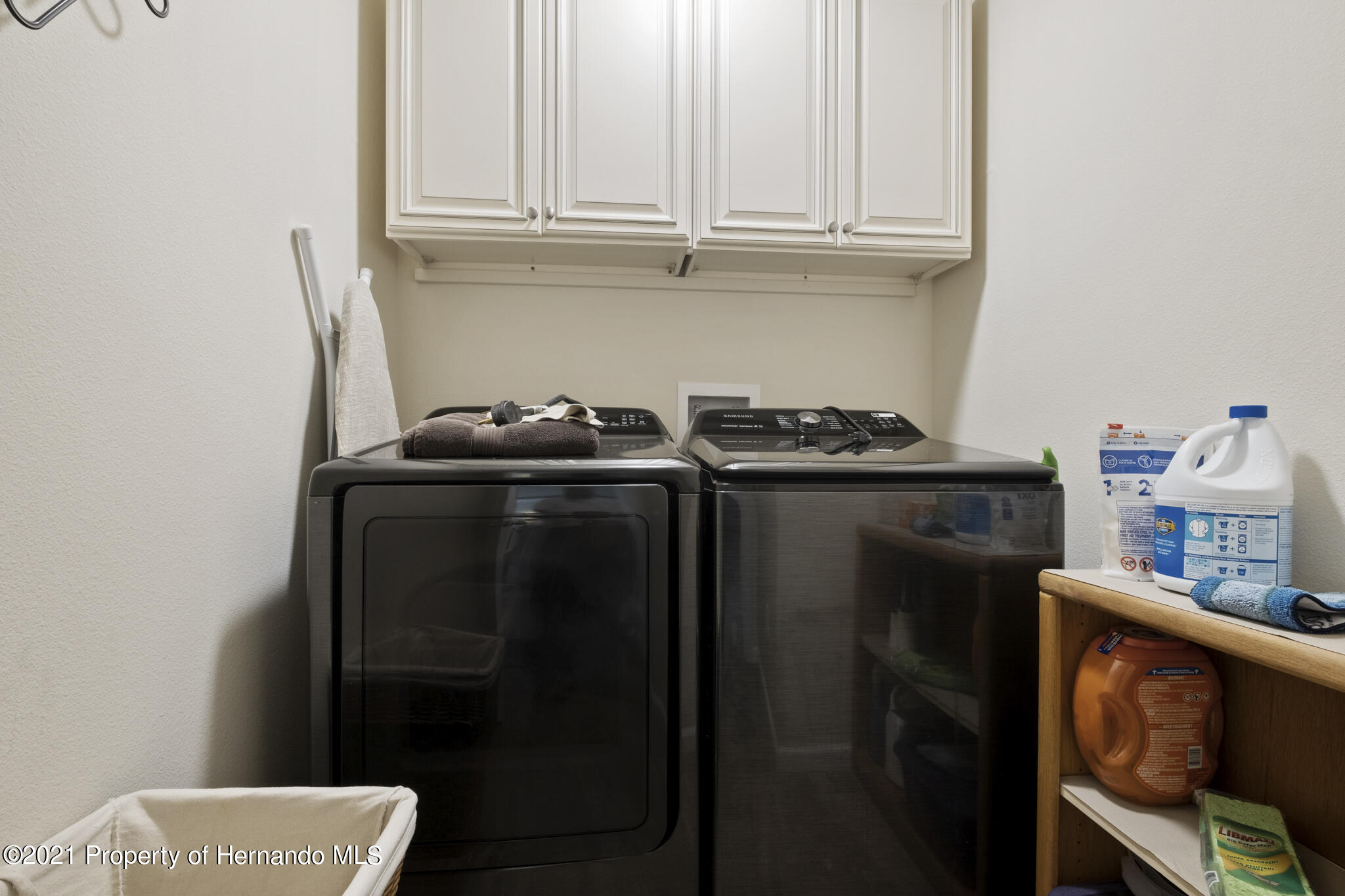 Listing photo id 17 for 13 Twinberry Court