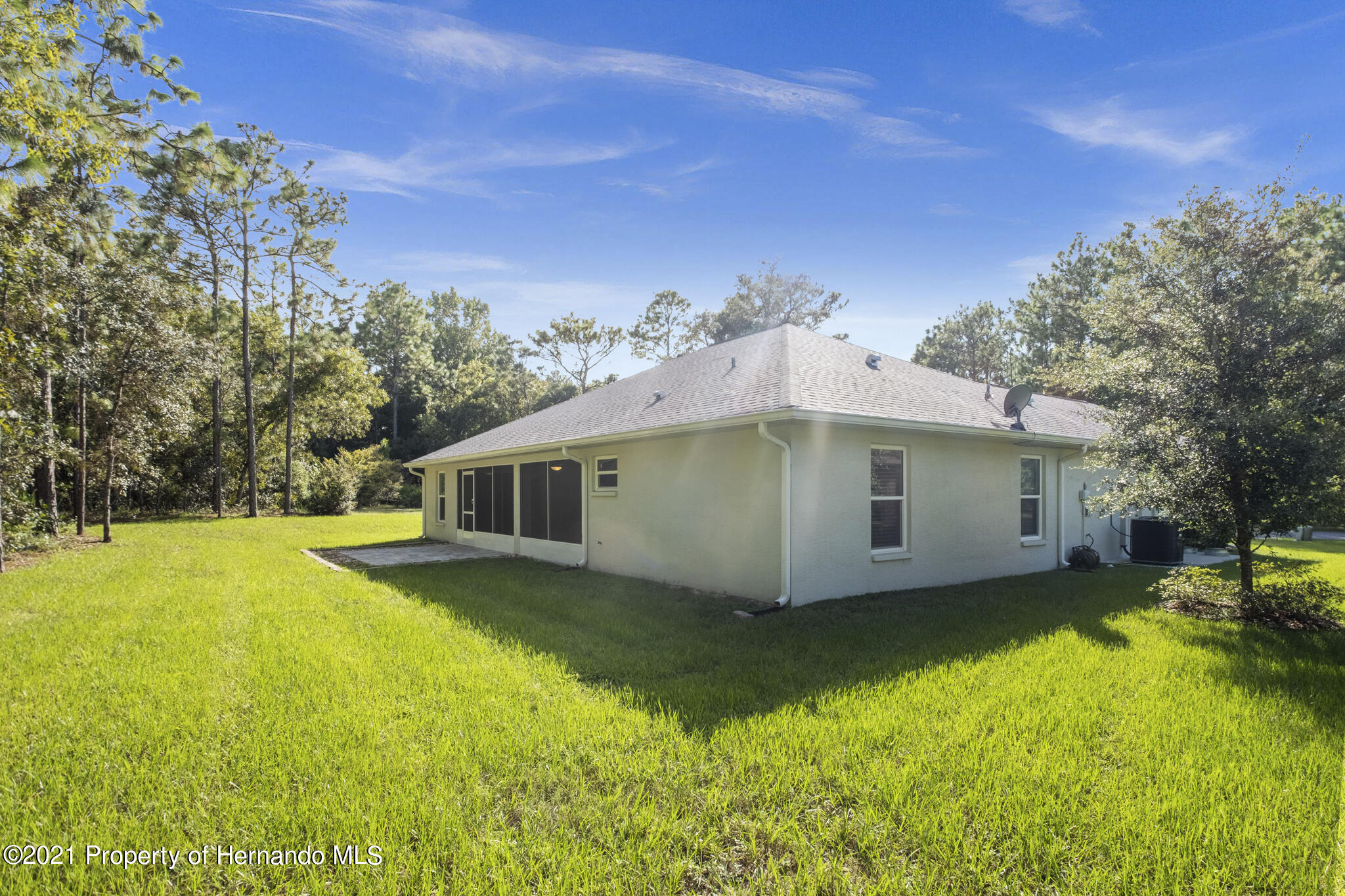 Listing photo id 32 for 13 Twinberry Court
