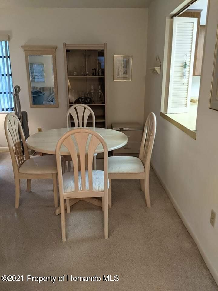 Listing photo id 6 for 37 Chinaberry Circle