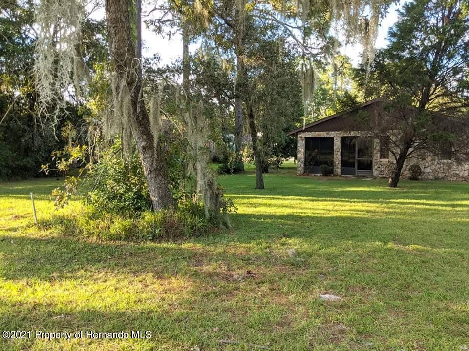 Listing photo id 15 for 37 Chinaberry Circle
