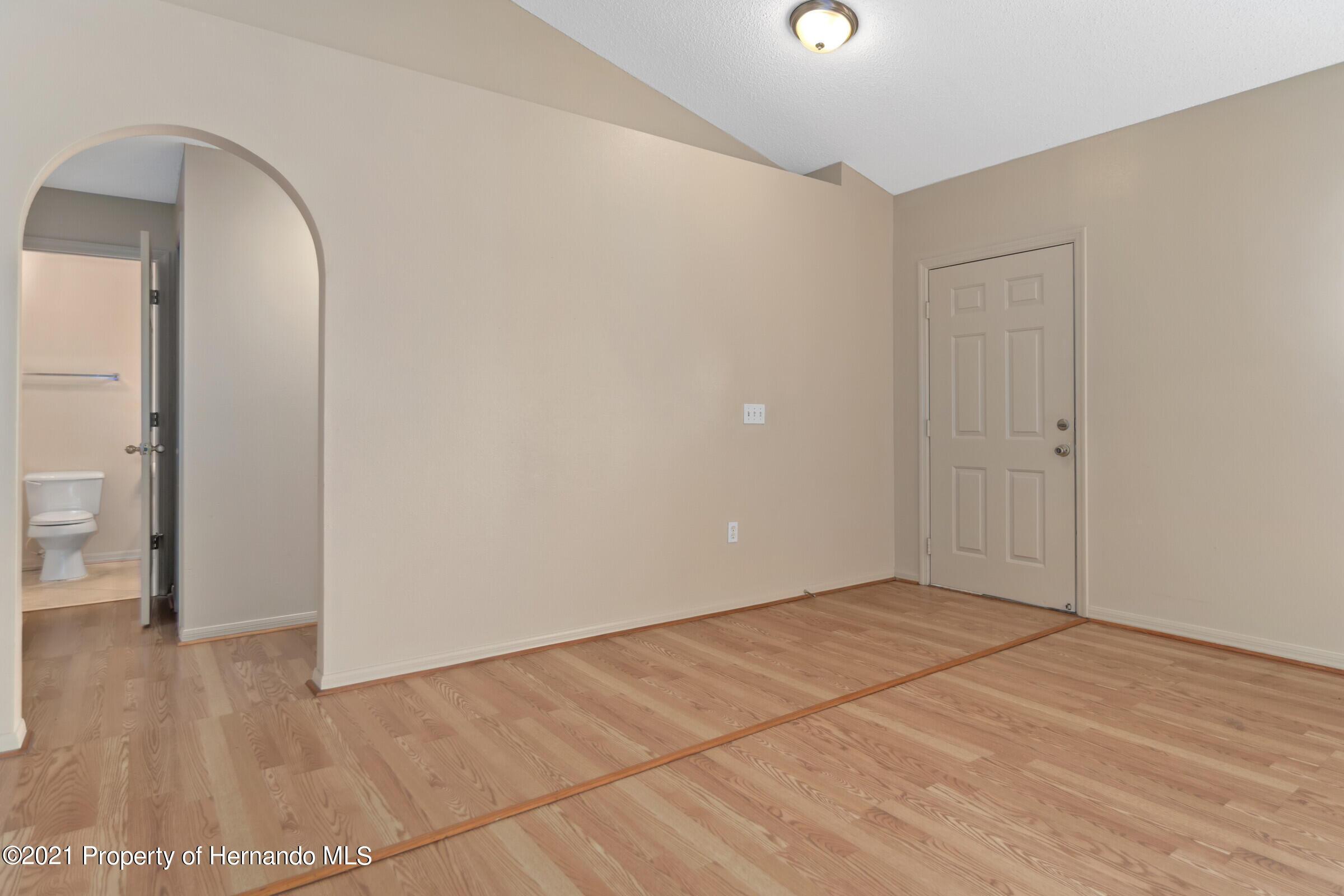 Image 5 For 5155 Baldock Avenue