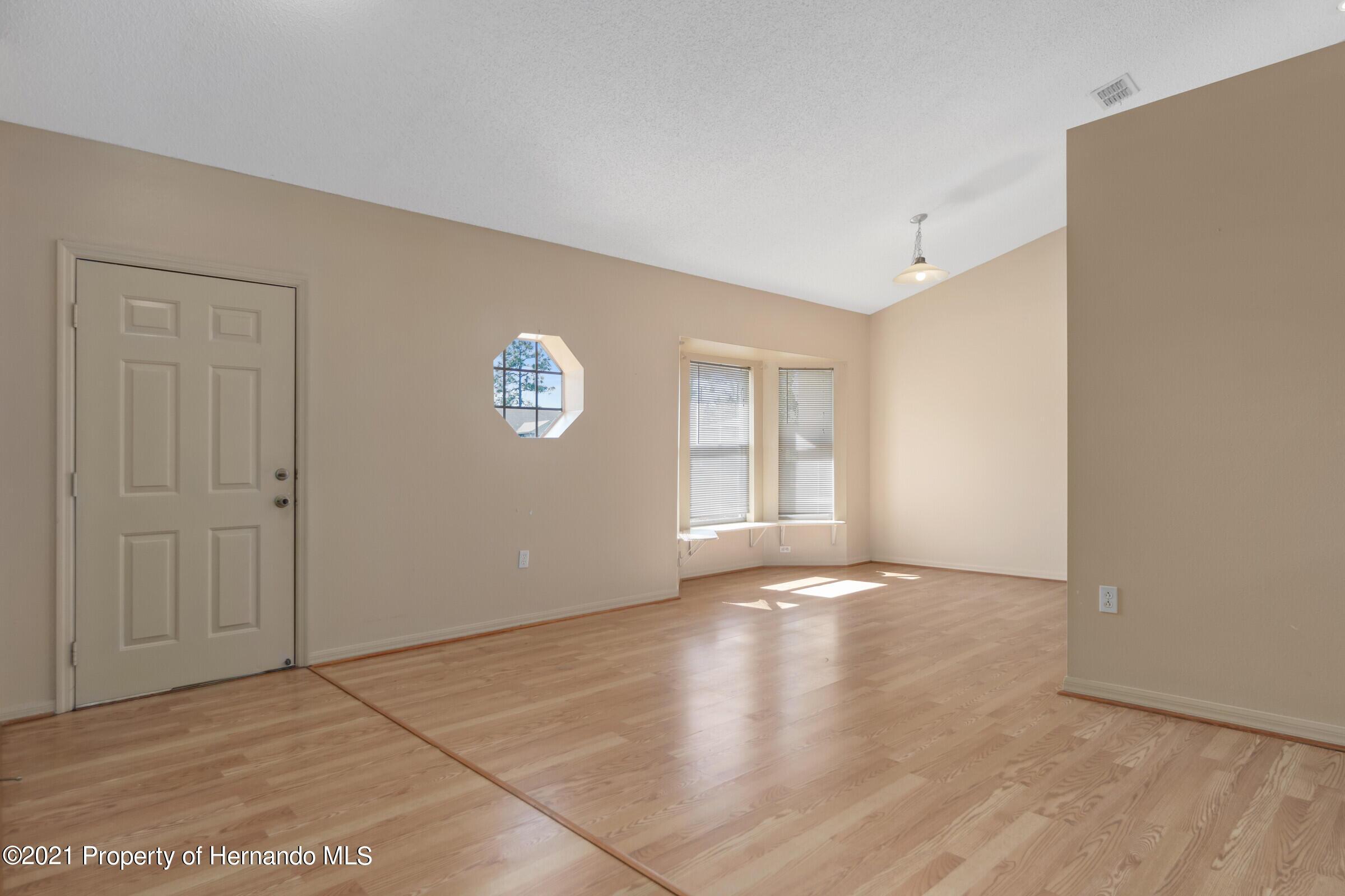 Image 6 For 5155 Baldock Avenue