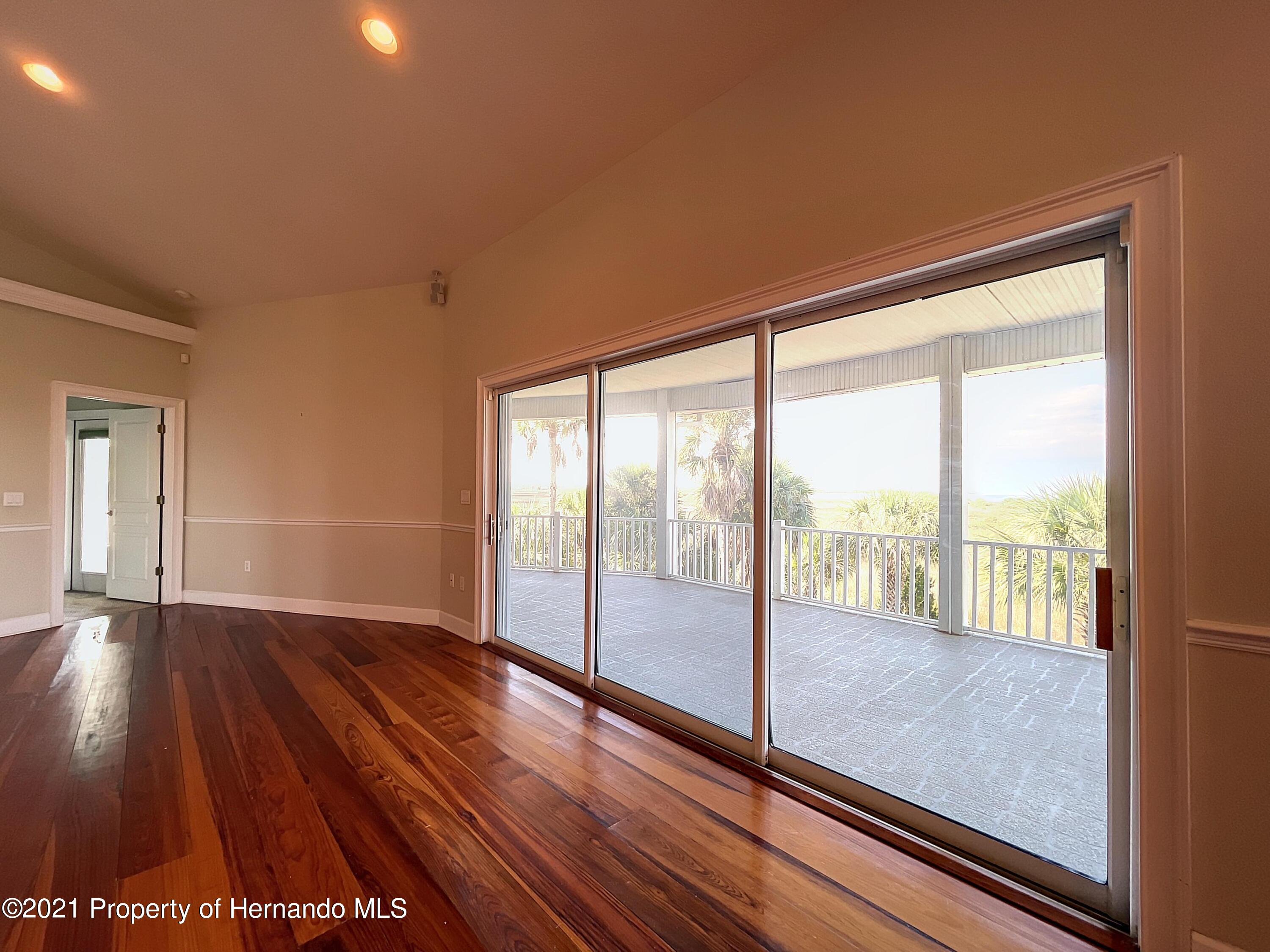 Image 11 of 101 For 1091 Osowaw Boulevard