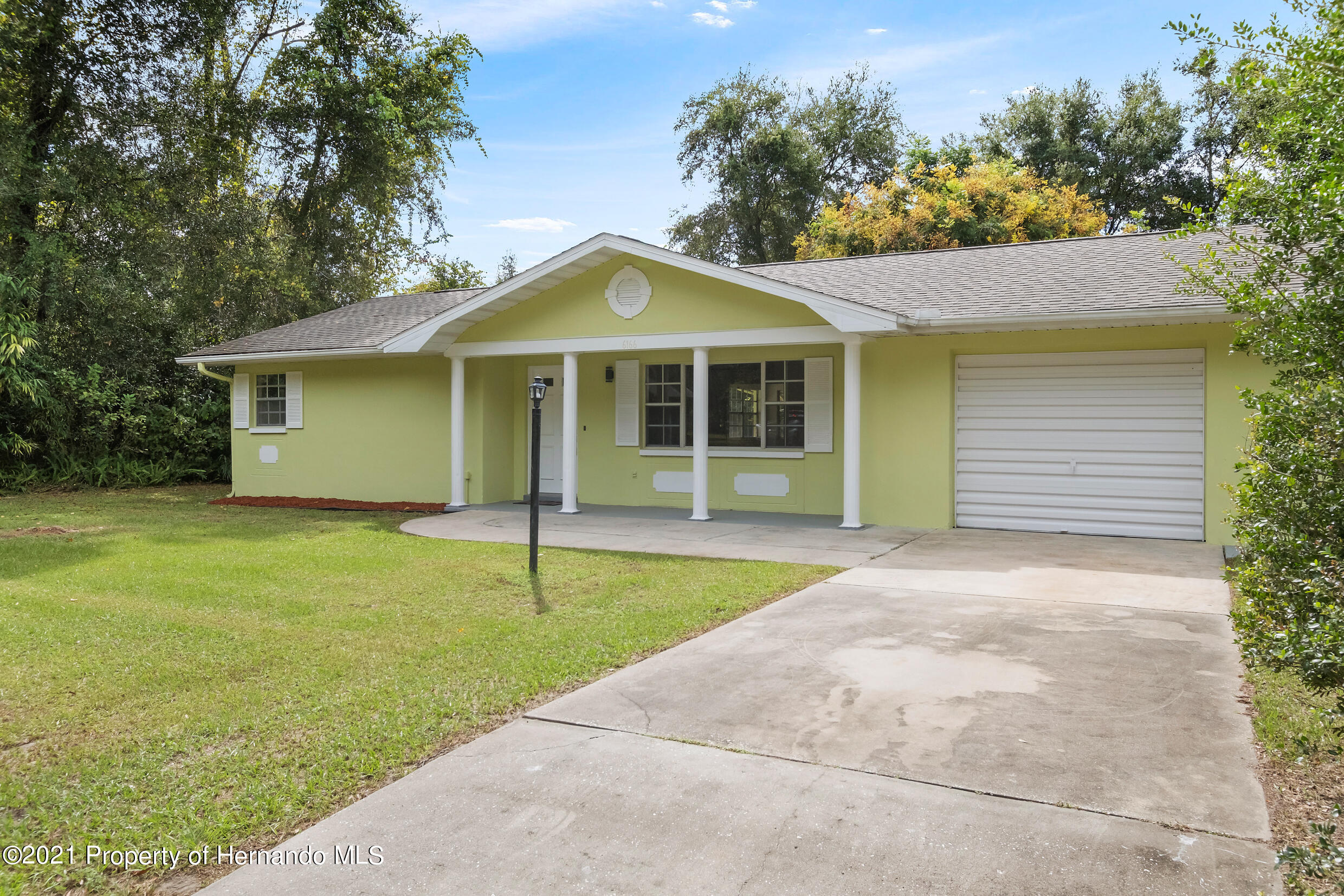 Listing photo id 28 for 6166 Wingate Street