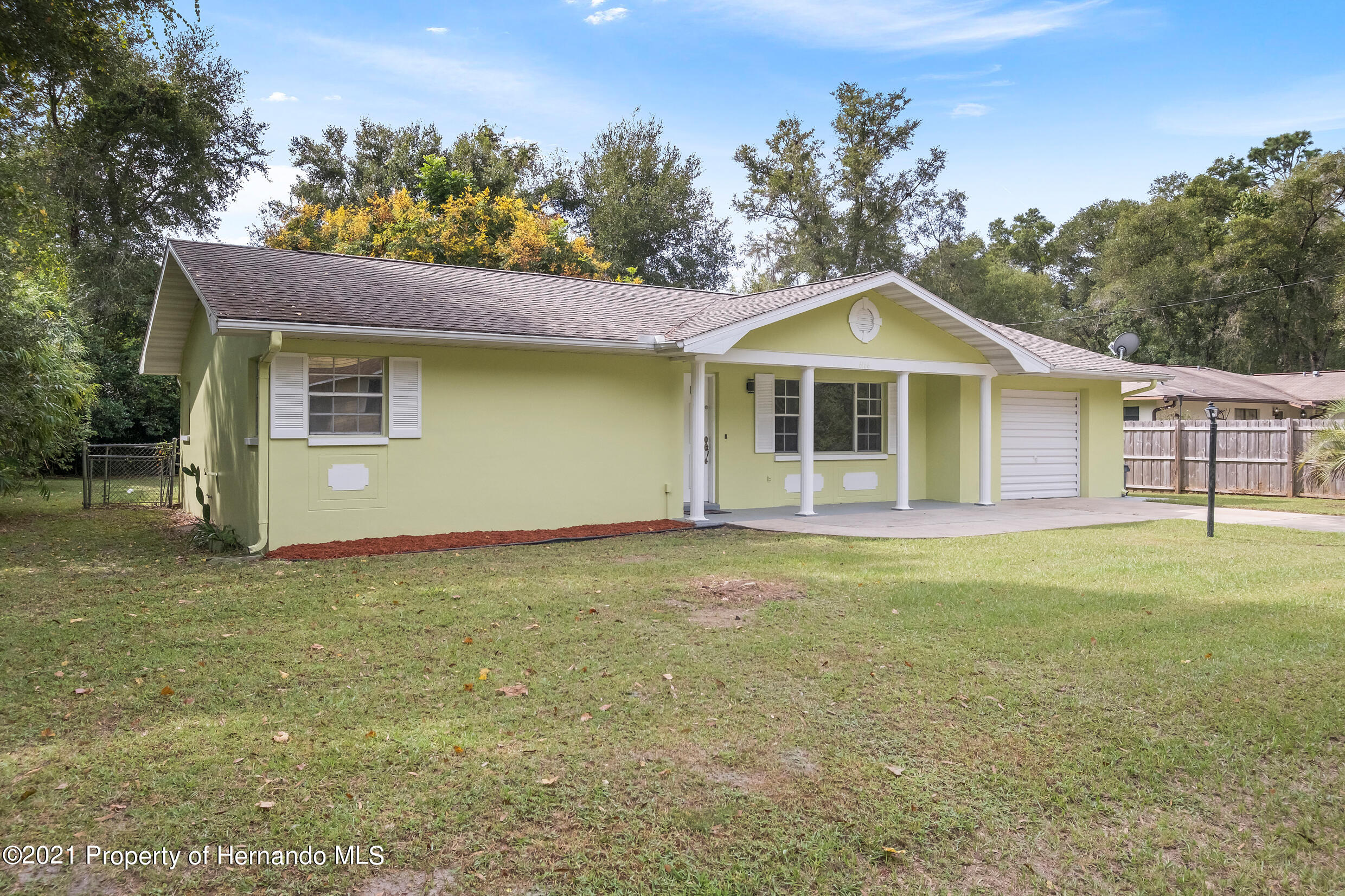 Listing photo id 26 for 6166 Wingate Street
