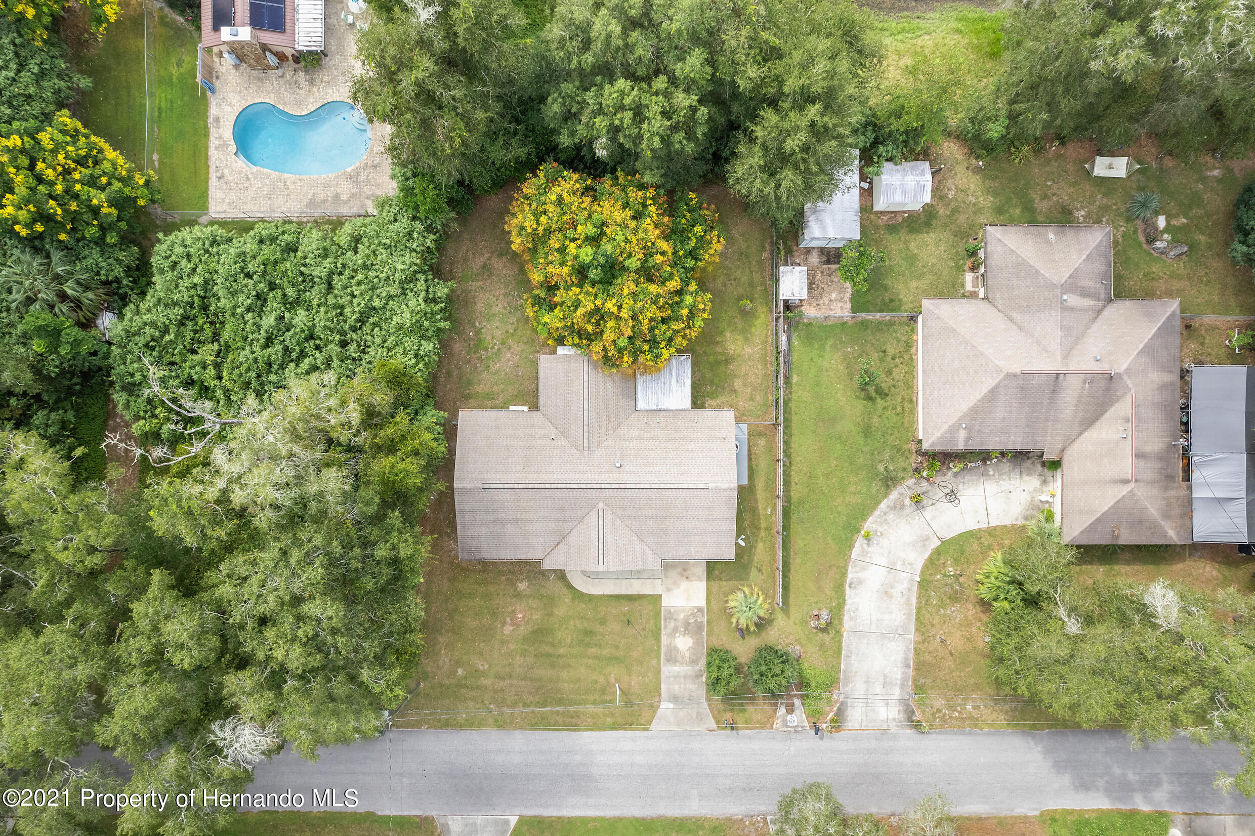Listing photo id 29 for 6166 Wingate Street