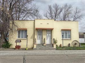 1 Bedroom Duplex, Units #98 & #96