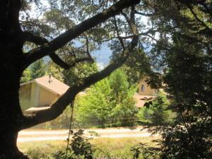 328 Skyway Road, Garberville, CA 95542