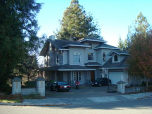 1502 P Street, Eureka, CA 95501